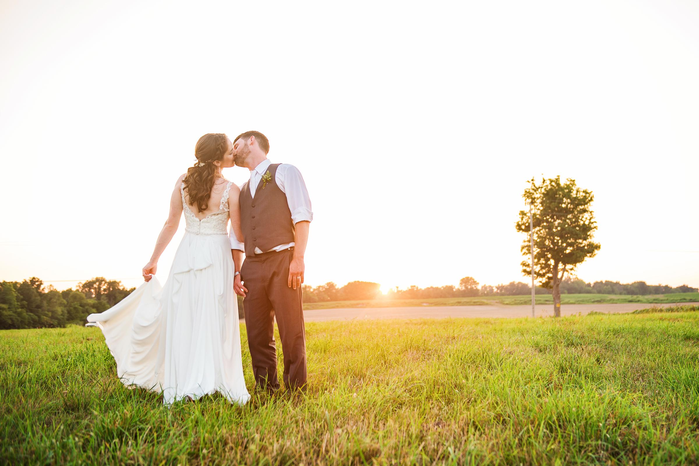 Jerris_Wadsworth_Wedding_Barn_Rochester_Wedding_JILL_STUDIO_Rochester_NY_Photographer_DSC_3099.jpg