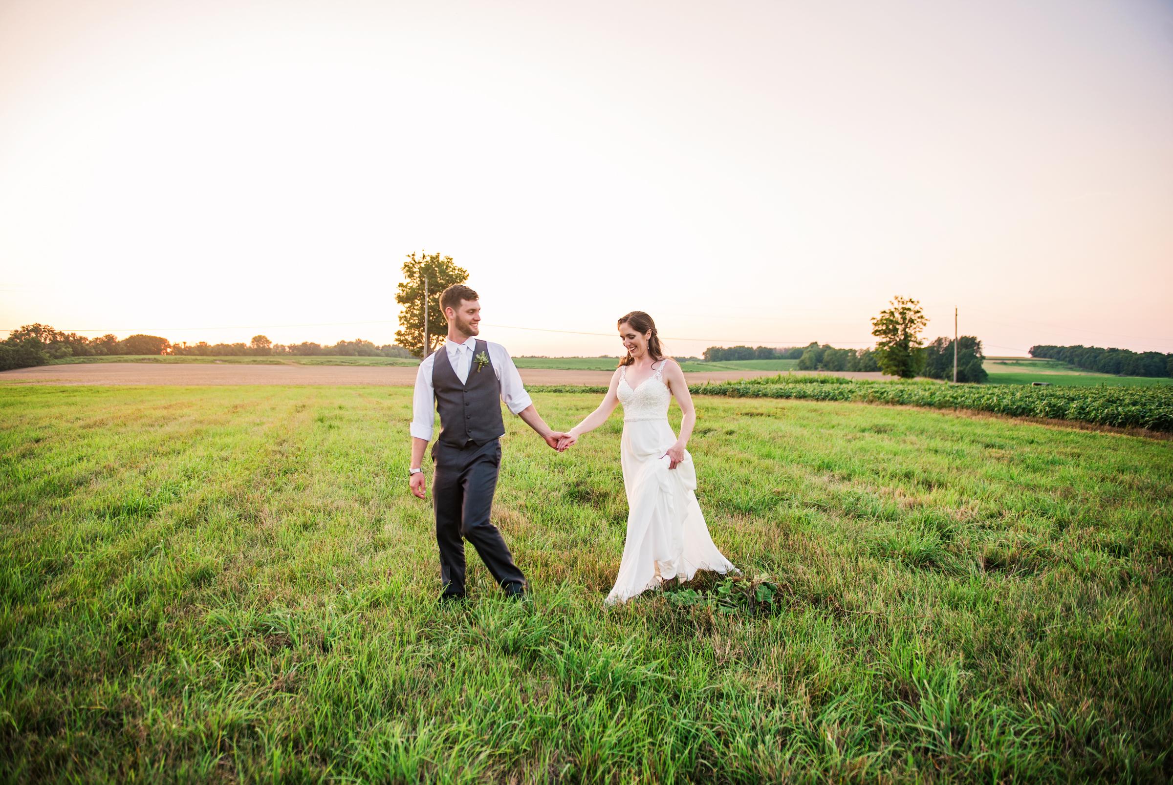 Jerris_Wadsworth_Wedding_Barn_Rochester_Wedding_JILL_STUDIO_Rochester_NY_Photographer_DSC_3124.jpg
