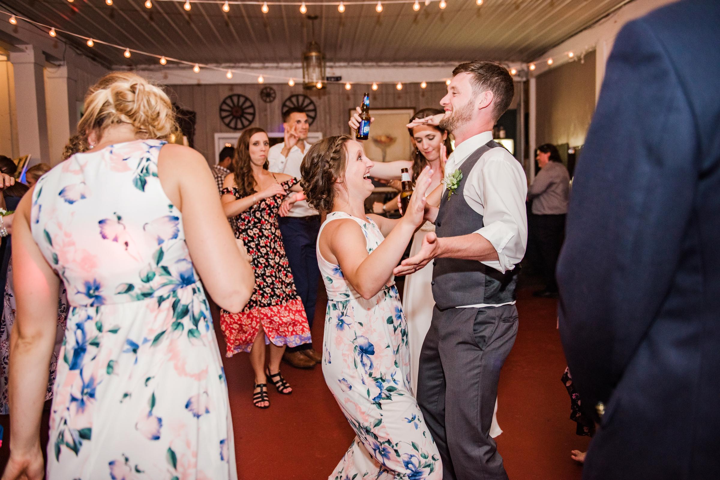 Jerris_Wadsworth_Wedding_Barn_Rochester_Wedding_JILL_STUDIO_Rochester_NY_Photographer_DSC_3202.jpg