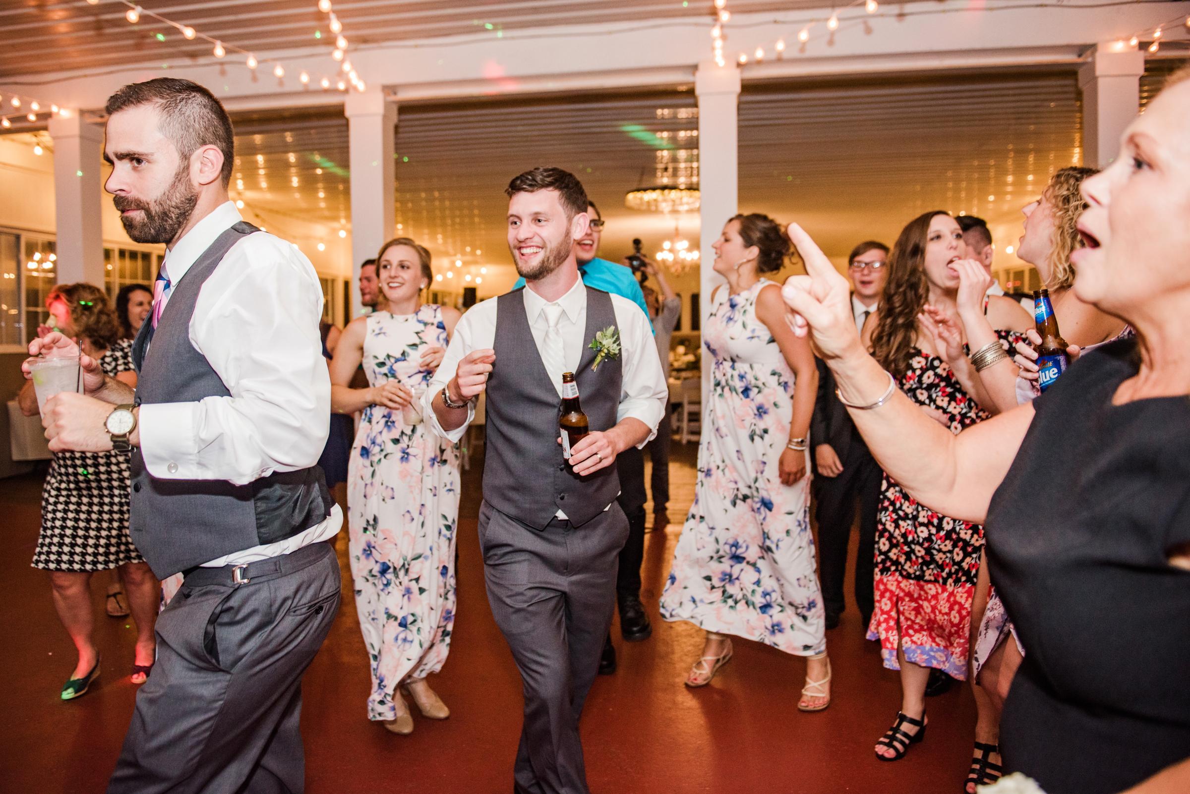 Jerris_Wadsworth_Wedding_Barn_Rochester_Wedding_JILL_STUDIO_Rochester_NY_Photographer_DSC_3210.jpg