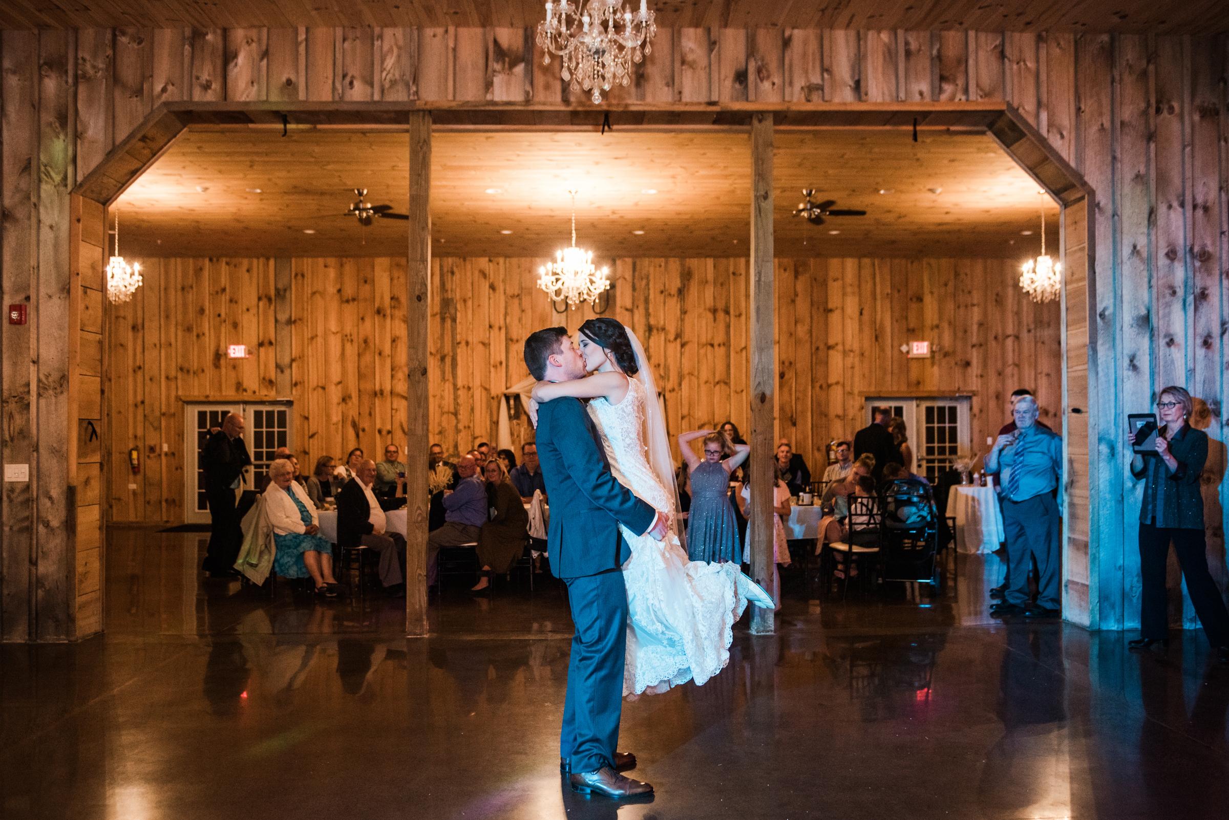 Wolf_Oak_Acres_Central_NY_Wedding_JILL_STUDIO_Rochester_NY_Photographer_DSC_8056.jpg