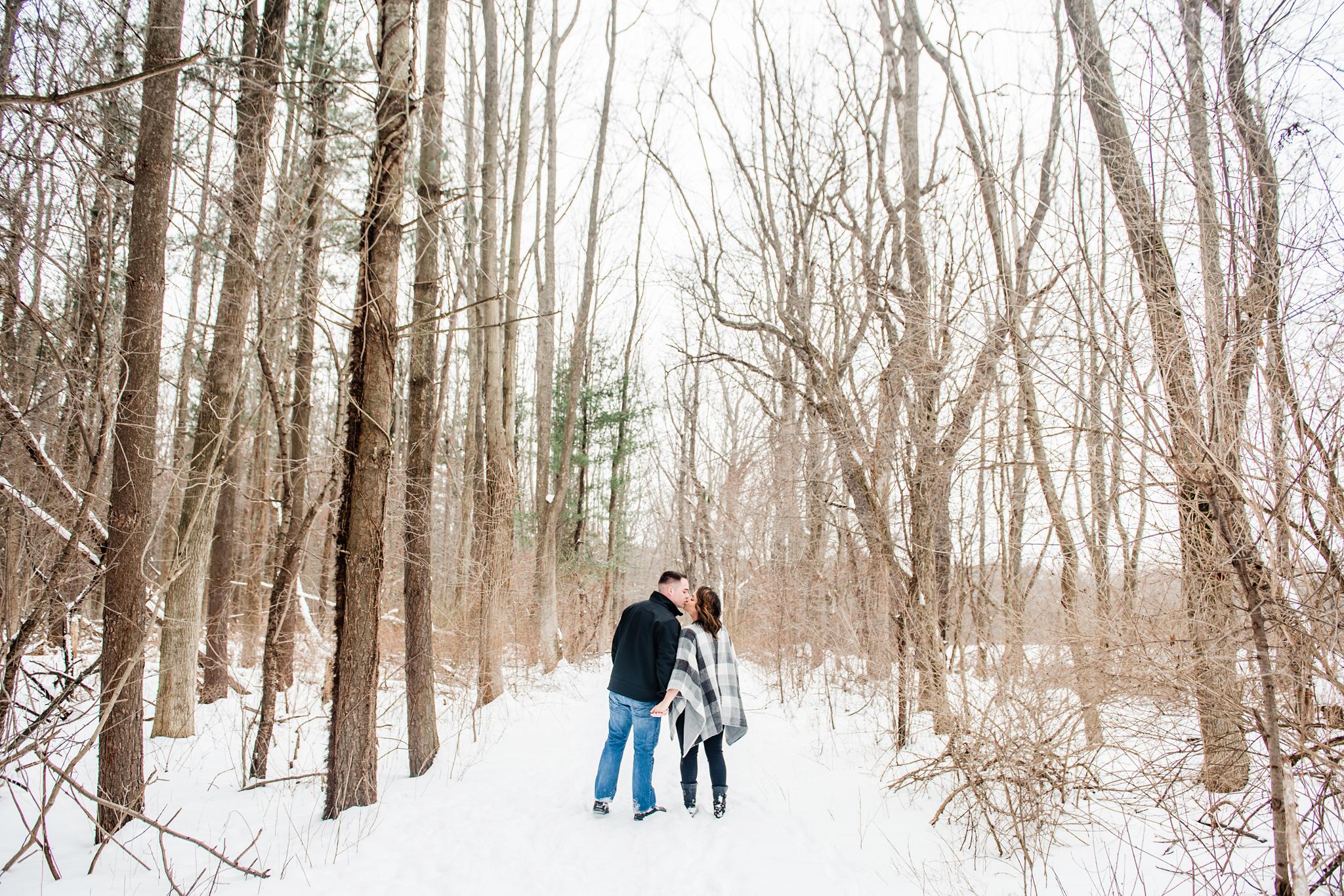 Black_Creek_Park_Rochester_Couples_Session_JILL_STUDIO_Rochester_NY_Photographer_DSC_7417.jpg