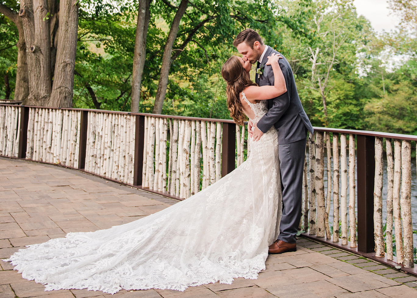 Tailwater_Lodge_Central_NY_Wedding_JILL_STUDIO.jpg