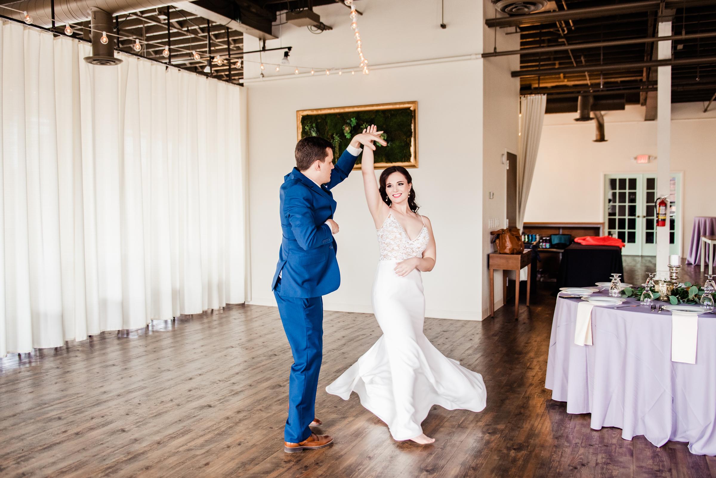 The_Arbor_LoftRochester_Wedding_JILL_STUDIO_Rochester_NY_Photographer_151426.jpg