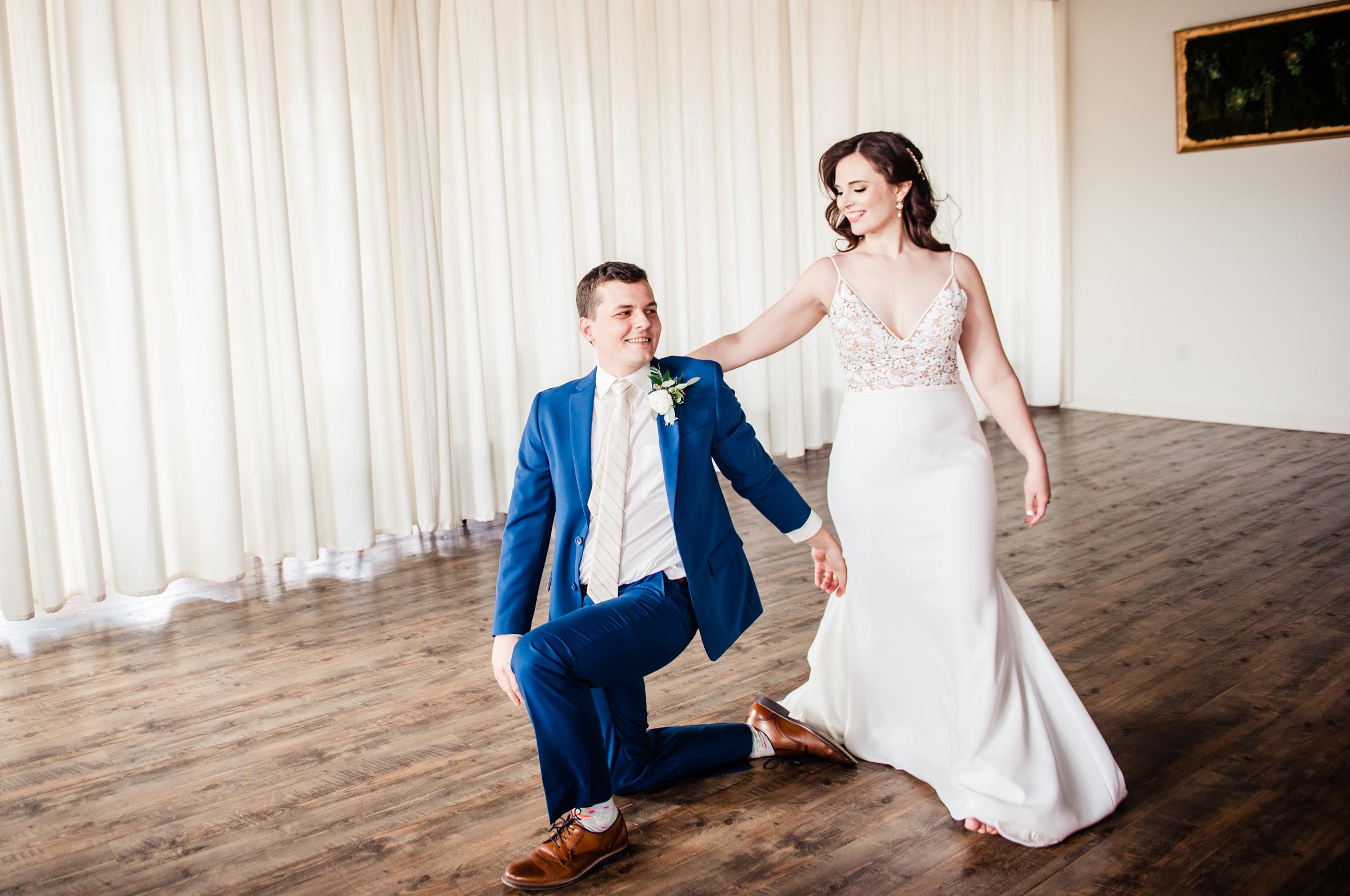 The_Arbor_LoftRochester_Wedding_JILL_STUDIO_Rochester_NY_Photographer_151726.jpg