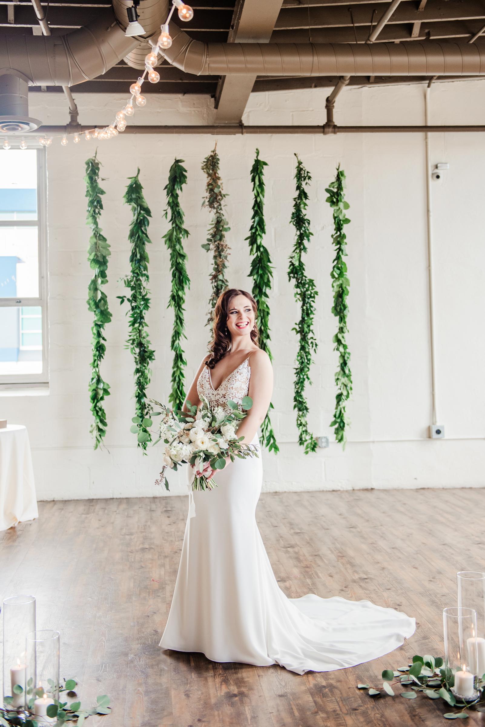 The_Arbor_LoftRochester_Wedding_JILL_STUDIO_Rochester_NY_Photographer_161722.jpg