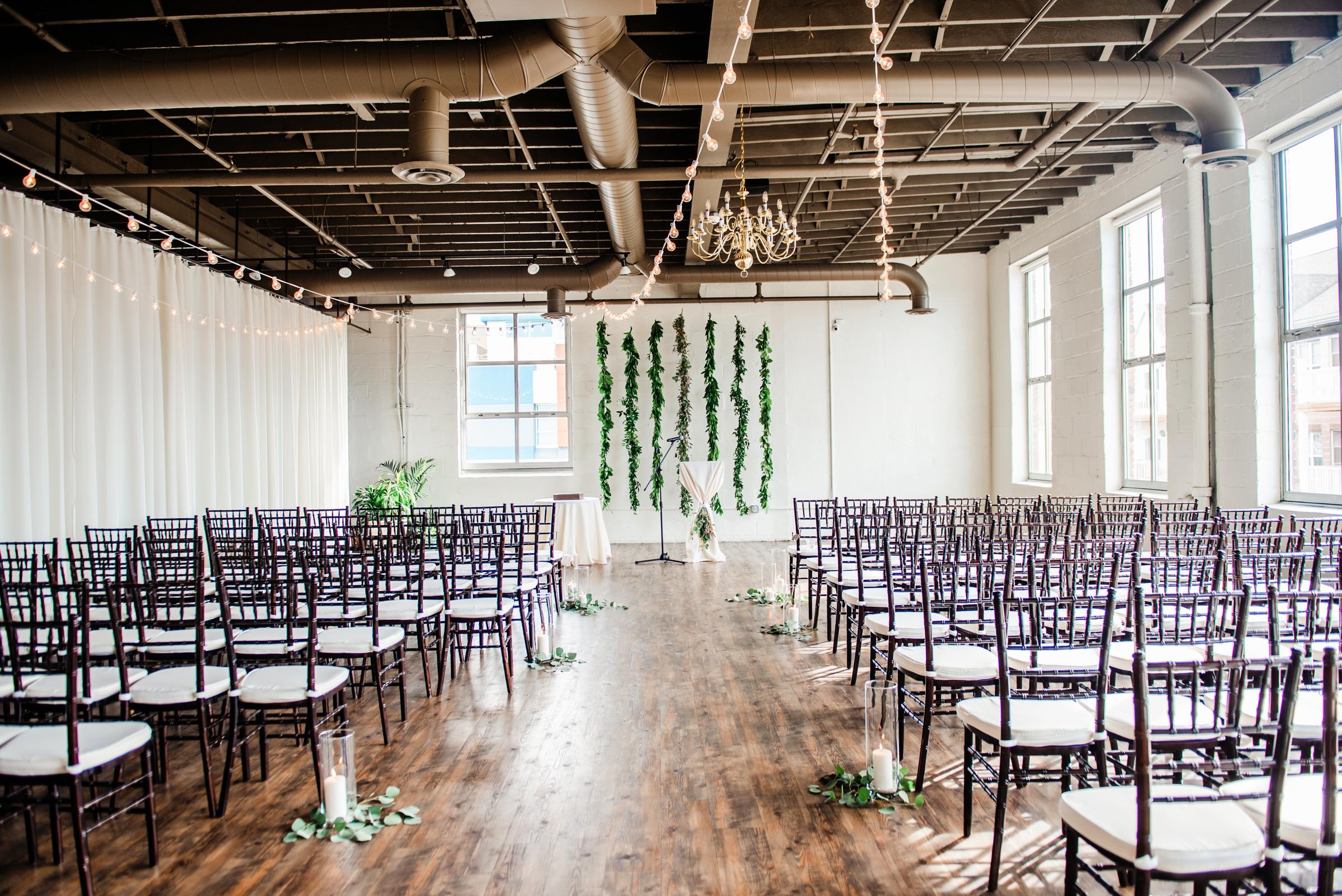 The_Arbor_LoftRochester_Wedding_JILL_STUDIO_Rochester_NY_Photographer_163455.jpg