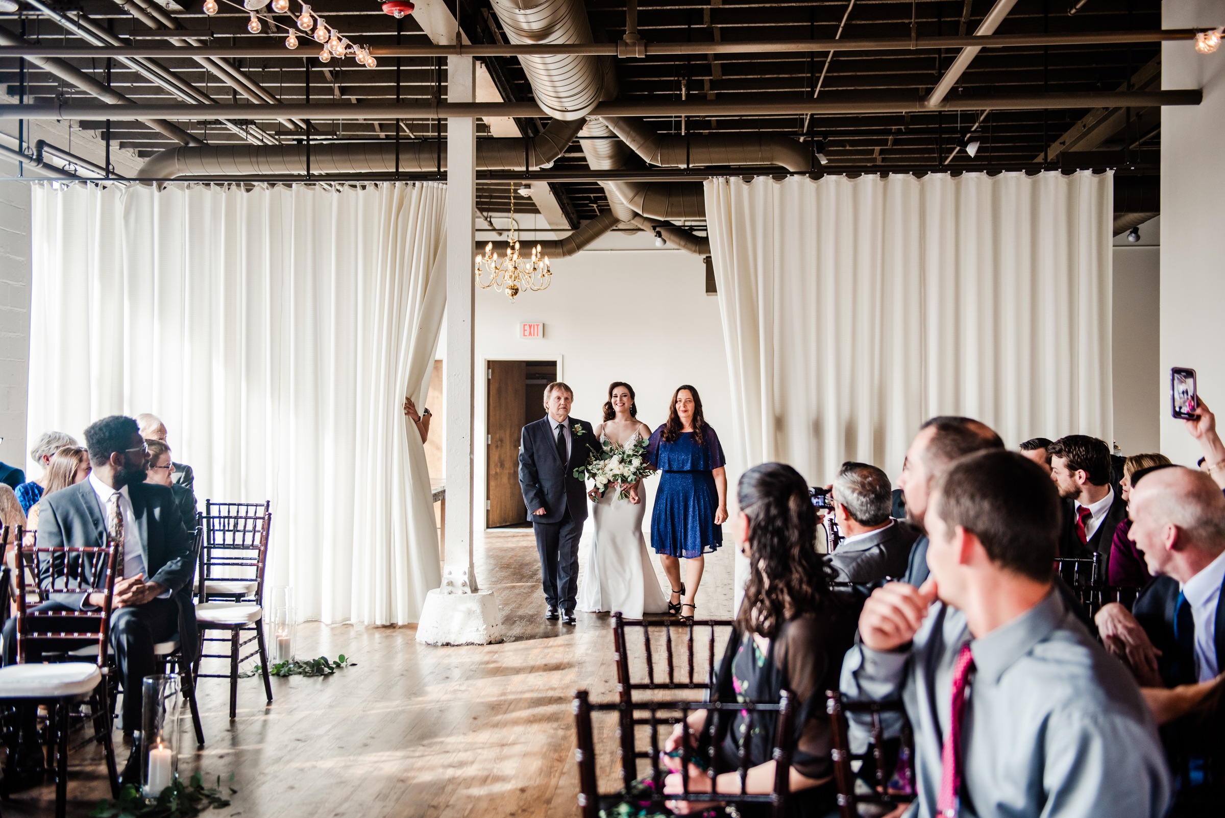 The_Arbor_LoftRochester_Wedding_JILL_STUDIO_Rochester_NY_Photographer_170439.jpg