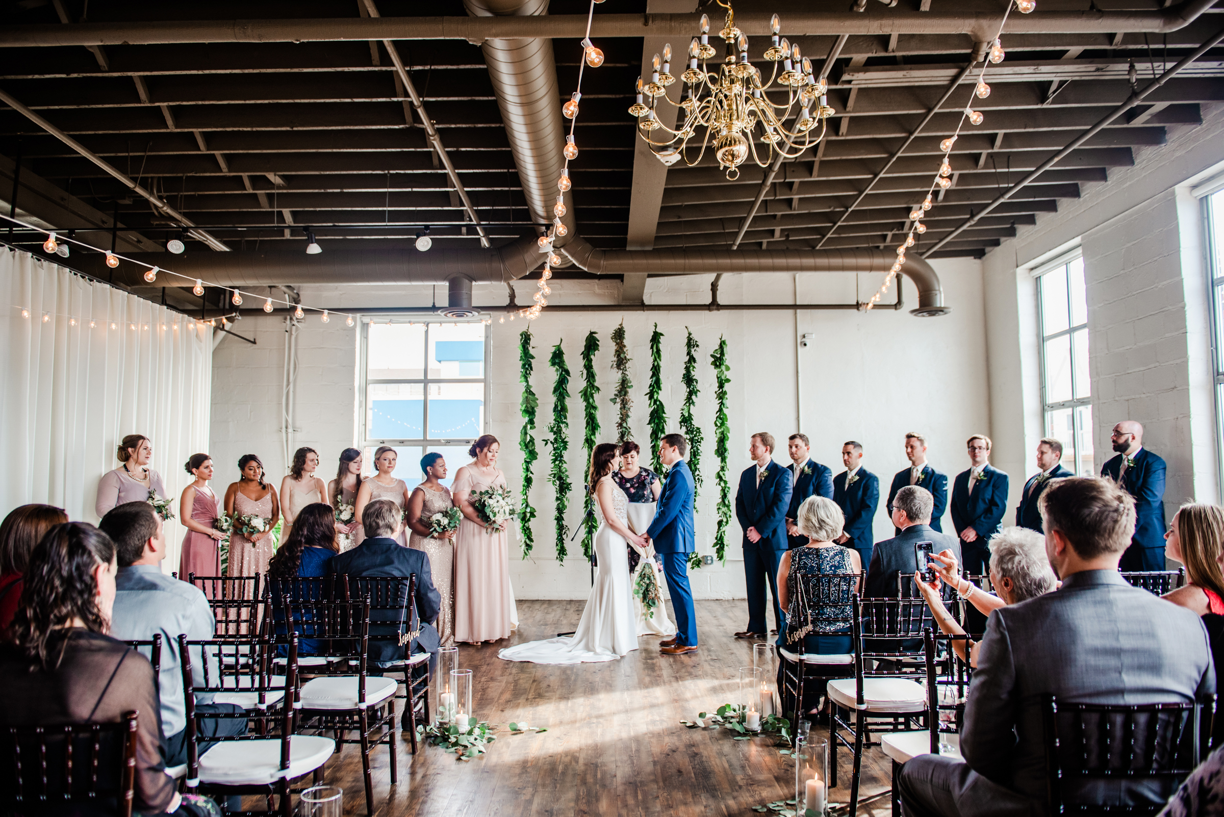 The_Arbor_LoftRochester_Wedding_JILL_STUDIO_Rochester_NY_Photographer_170533.jpg
