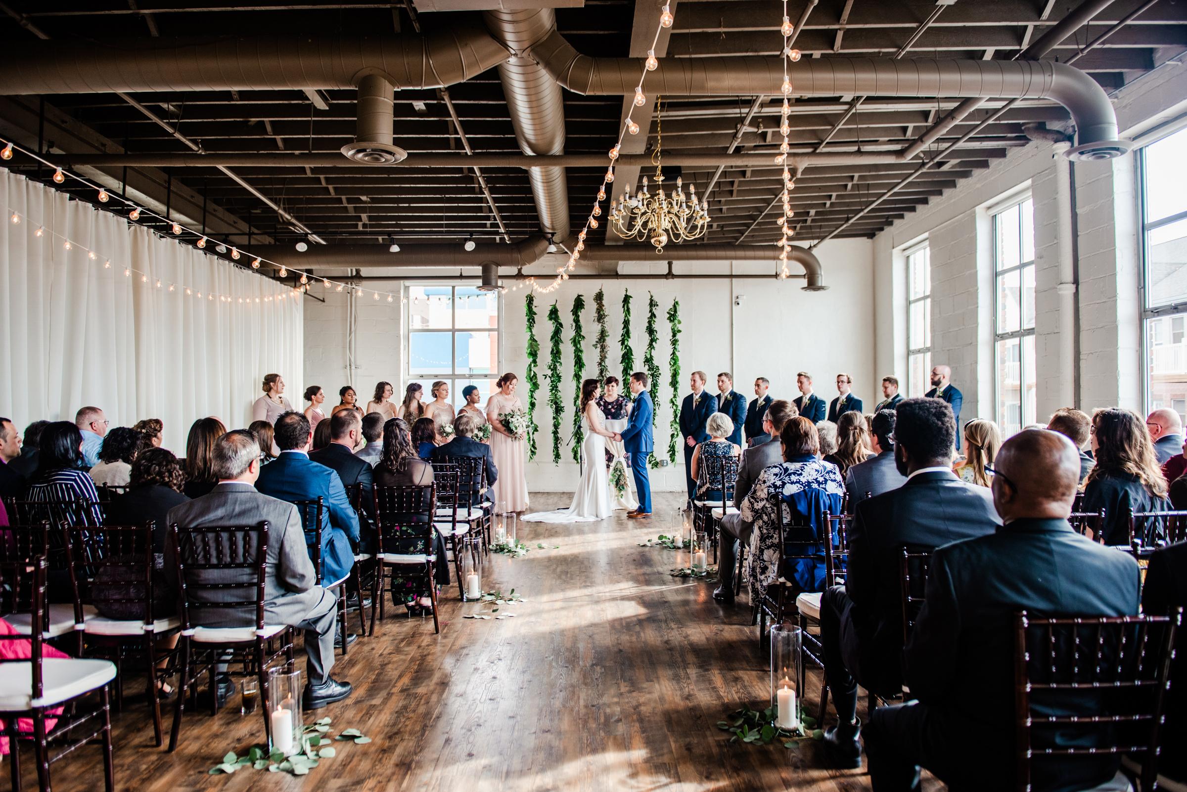 The_Arbor_LoftRochester_Wedding_JILL_STUDIO_Rochester_NY_Photographer_170702.jpg