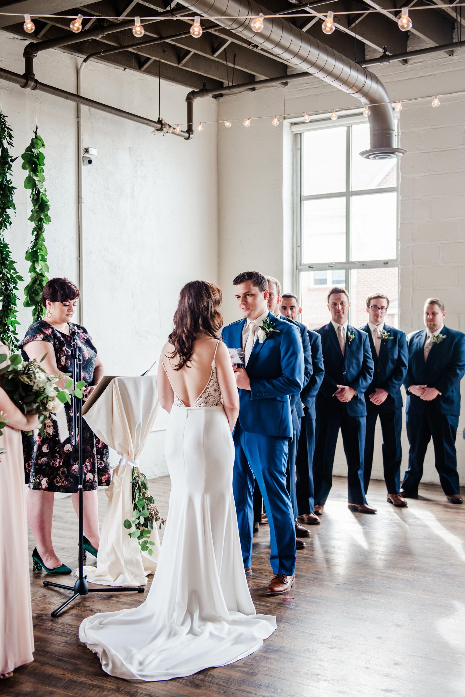 The_Arbor_LoftRochester_Wedding_JILL_STUDIO_Rochester_NY_Photographer_171206.jpg