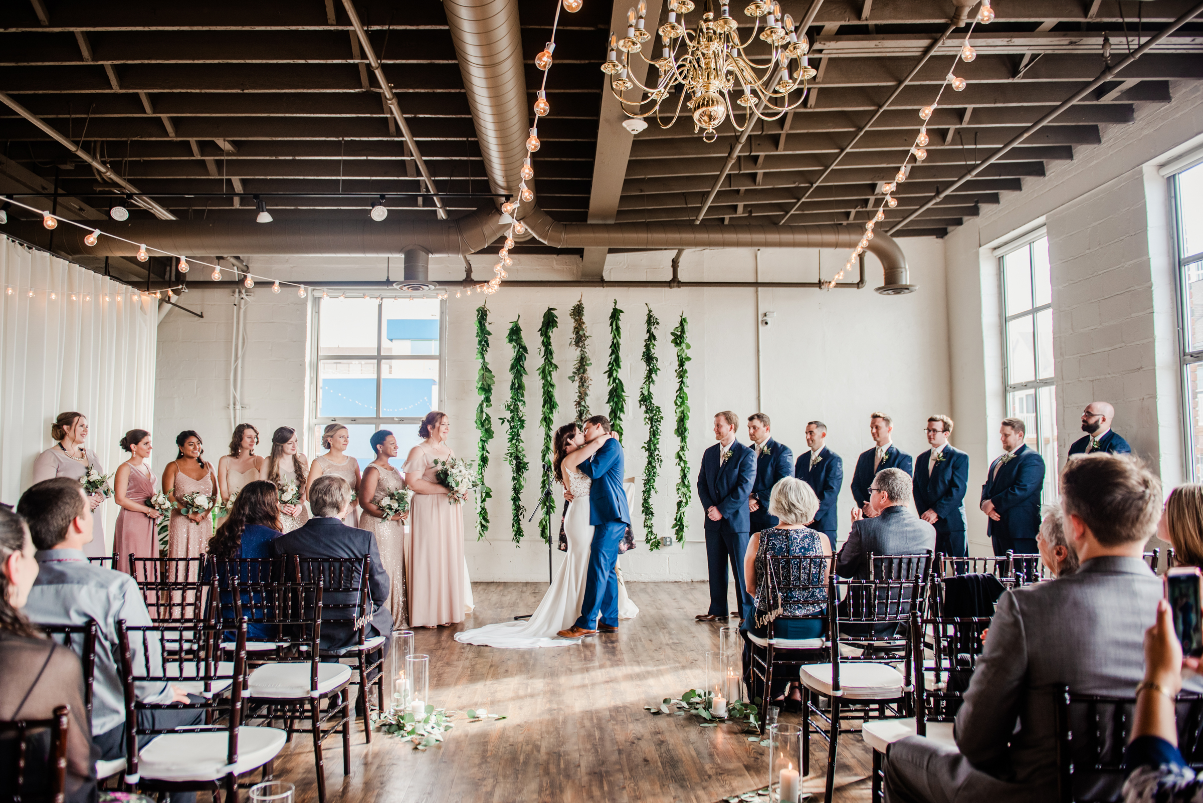 The_Arbor_LoftRochester_Wedding_JILL_STUDIO_Rochester_NY_Photographer_171654.jpg