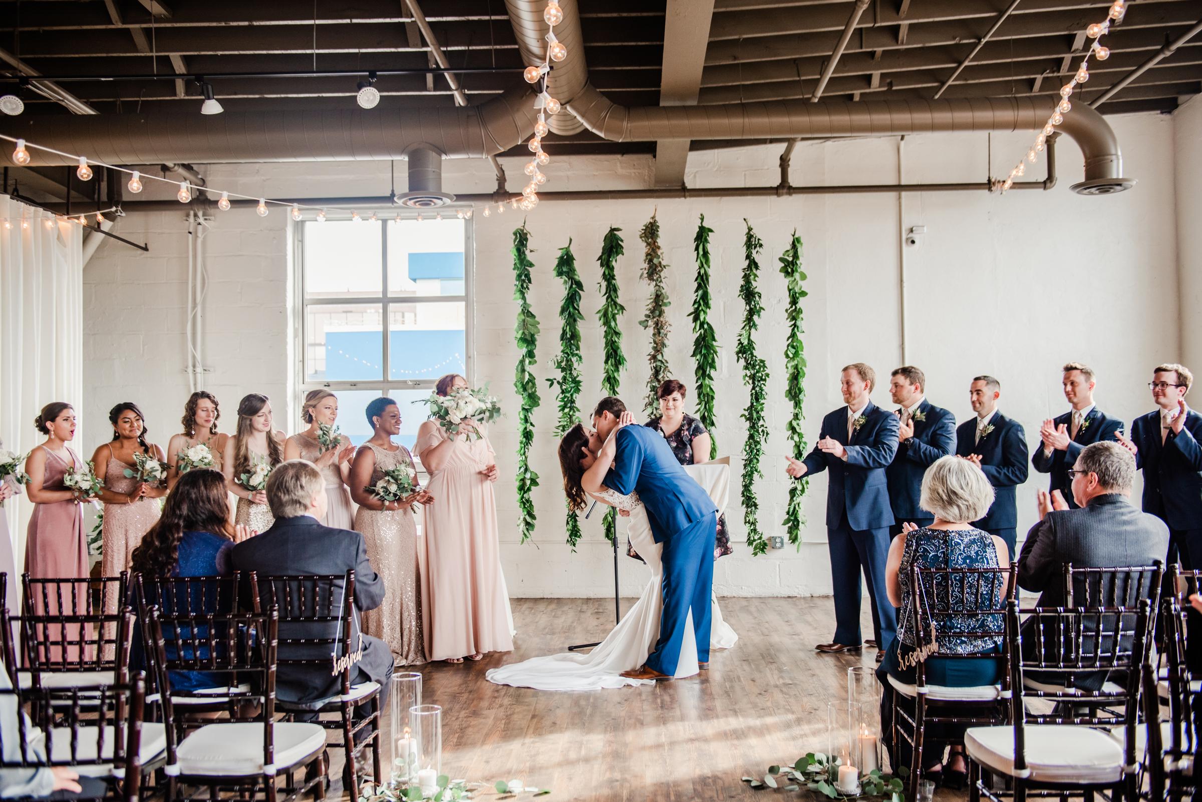 The_Arbor_LoftRochester_Wedding_JILL_STUDIO_Rochester_NY_Photographer_171655.jpg