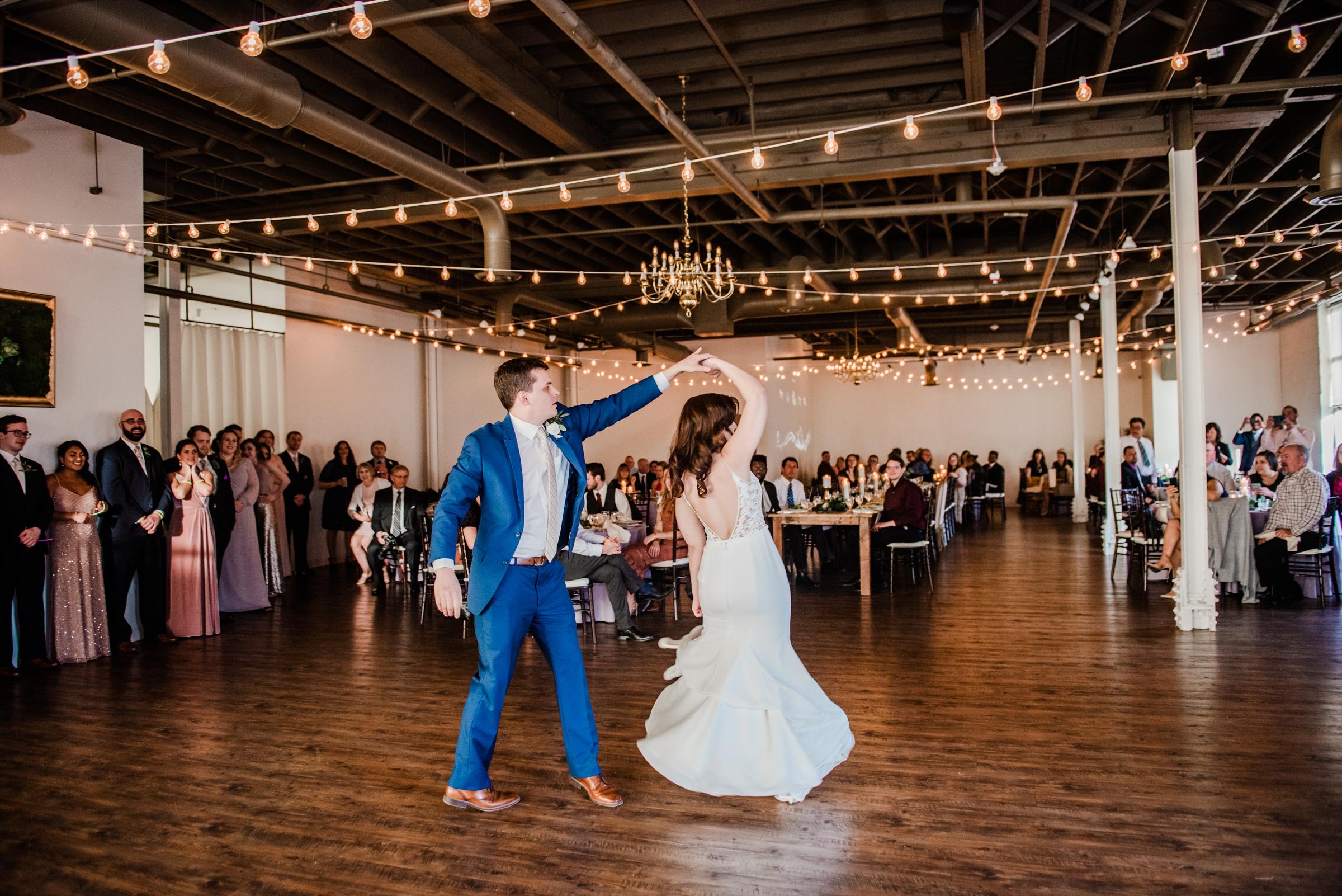 The_Arbor_LoftRochester_Wedding_JILL_STUDIO_Rochester_NY_Photographer_185227.jpg