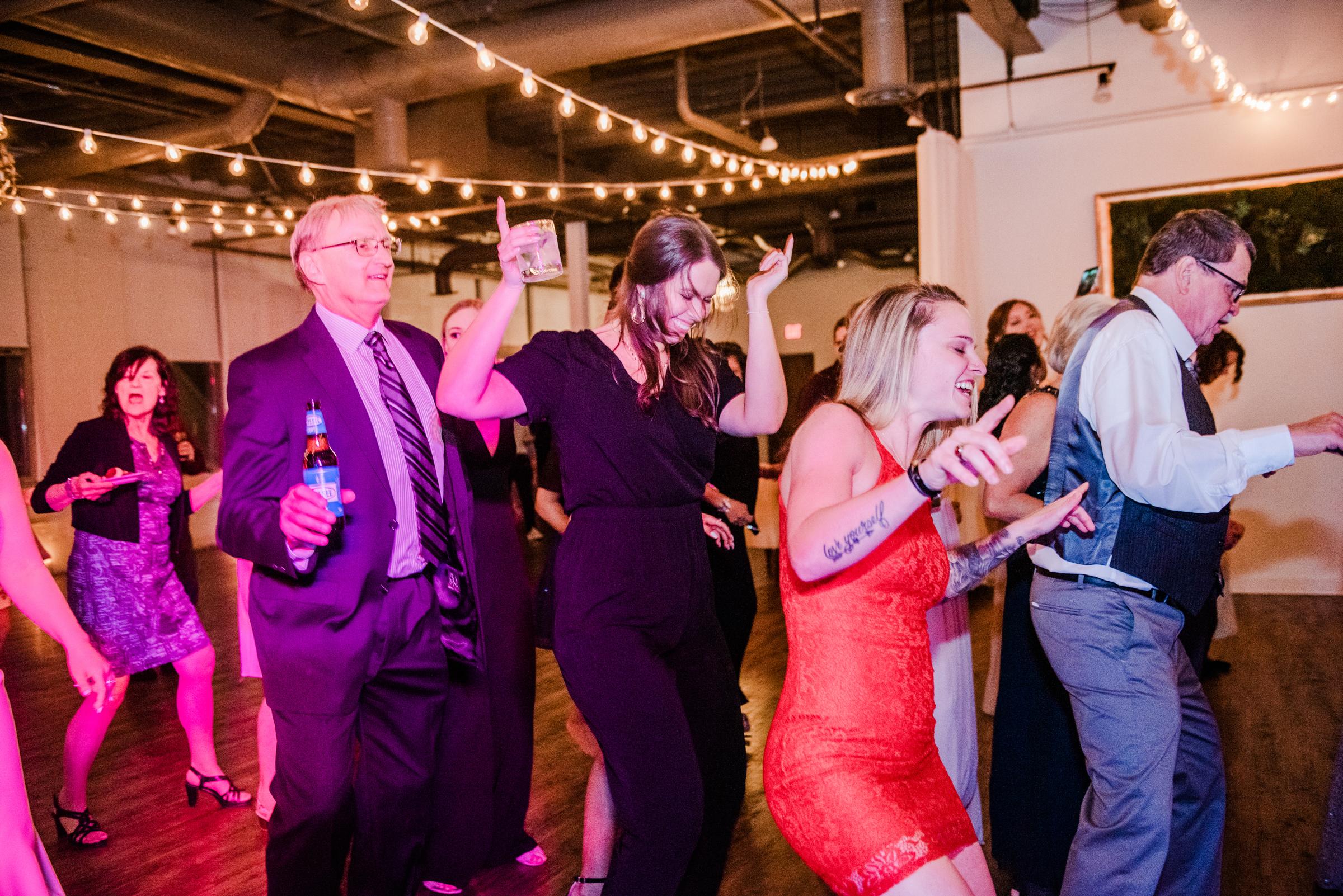 The_Arbor_LoftRochester_Wedding_JILL_STUDIO_Rochester_NY_Photographer_203113.jpg