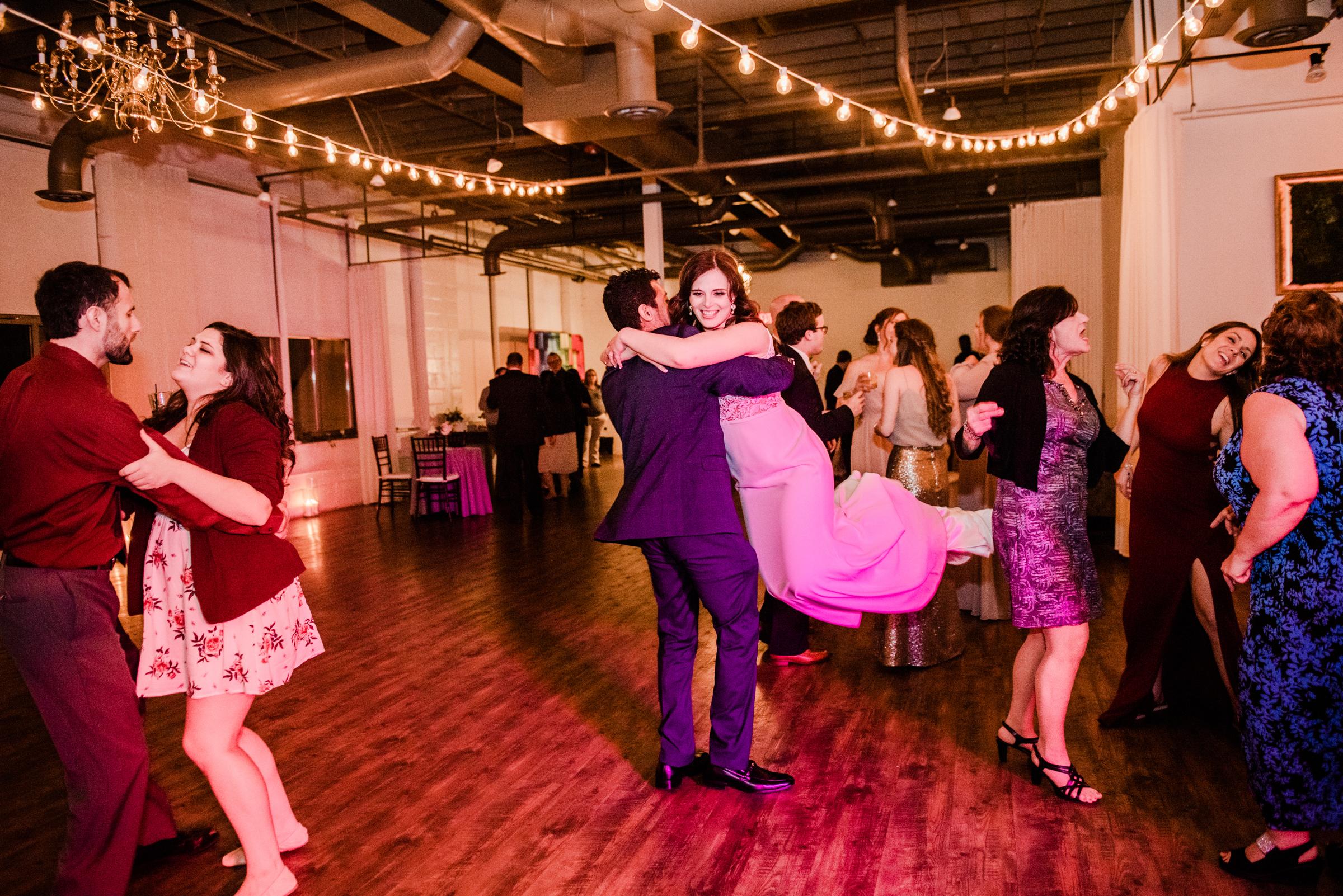 The_Arbor_LoftRochester_Wedding_JILL_STUDIO_Rochester_NY_Photographer_203929.jpg