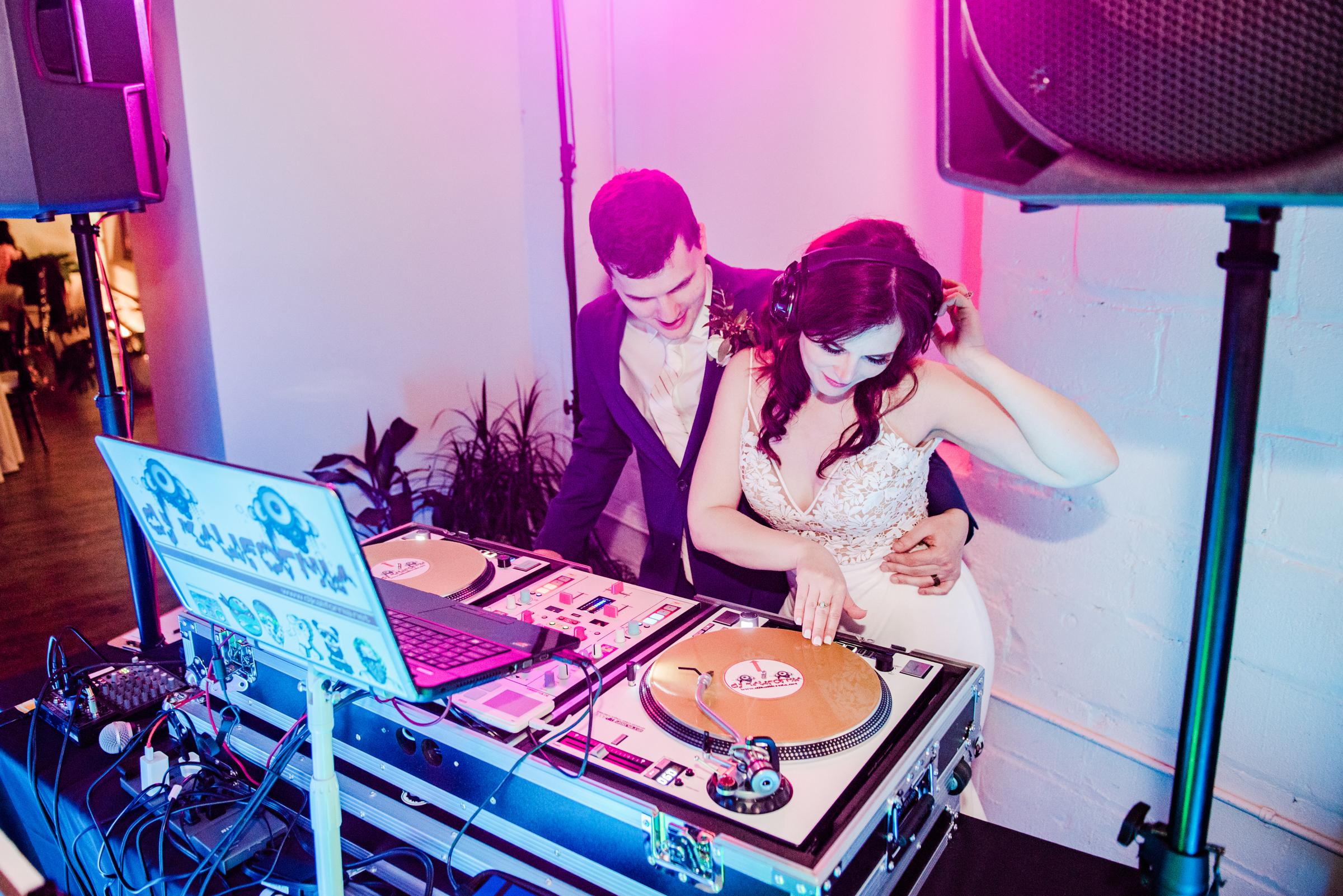 The_Arbor_LoftRochester_Wedding_JILL_STUDIO_Rochester_NY_Photographer_205823.jpg