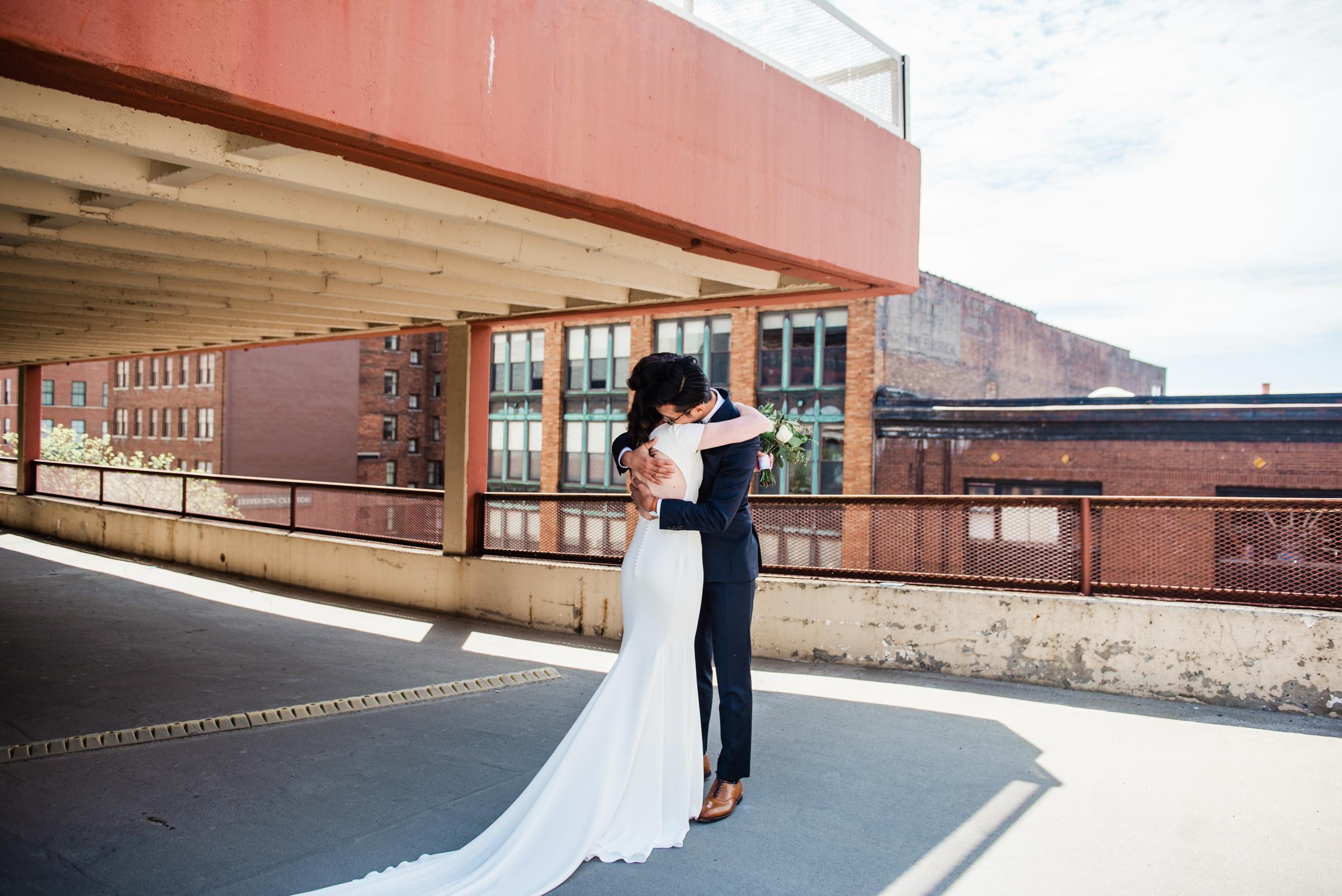 SKY_Armory_Syracuse_Wedding_JILL_STUDIO_Rochester_NY_Photographer_DSC_5195.jpg