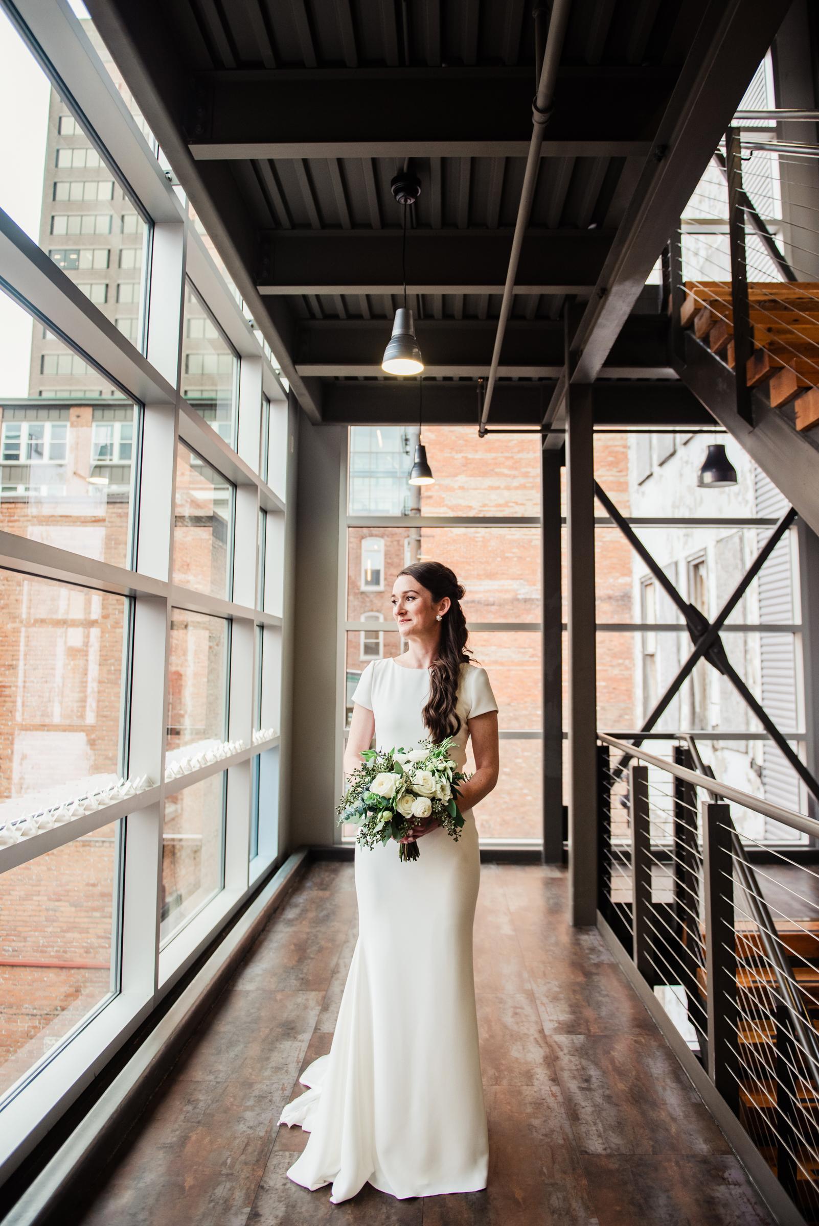 SKY_Armory_Syracuse_Wedding_JILL_STUDIO_Rochester_NY_Photographer_DSC_5771.jpg