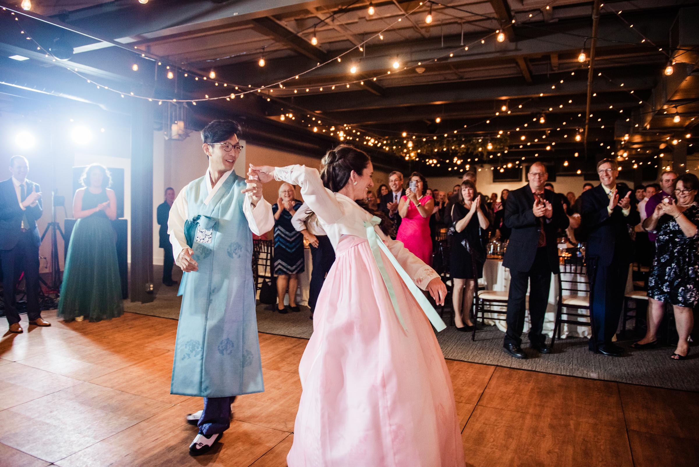 SKY_Armory_Syracuse_Wedding_JILL_STUDIO_Rochester_NY_Photographer_DSC_6124.jpg