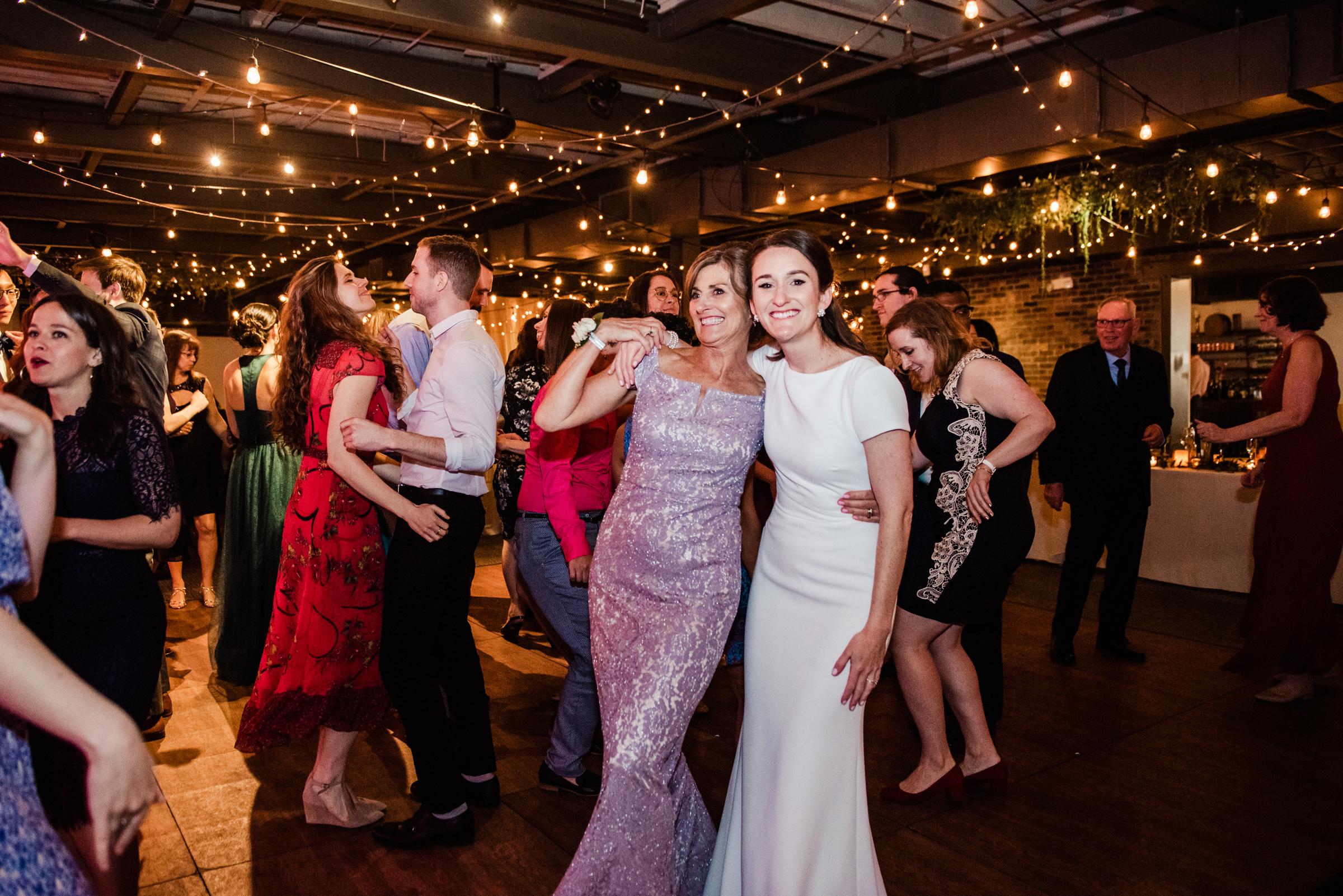 SKY_Armory_Syracuse_Wedding_JILL_STUDIO_Rochester_NY_Photographer_DSC_6366.jpg