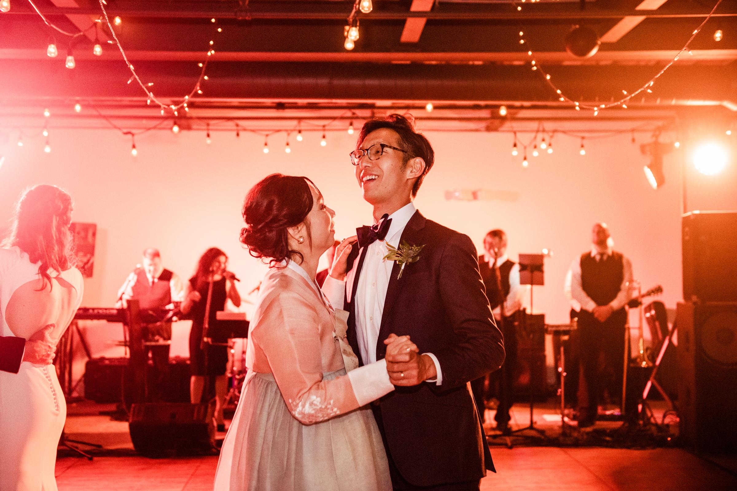 SKY_Armory_Syracuse_Wedding_JILL_STUDIO_Rochester_NY_Photographer_DSC_6451.jpg