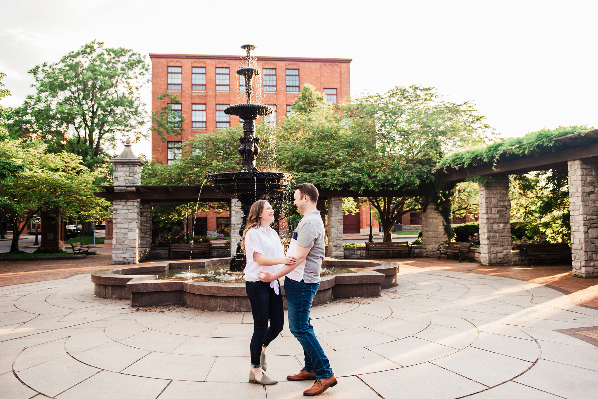 Franklin_Square_Park_Syracuse_Engagement_Session_JILL_STUDIO_Rochester_NY_Photographer_DSC_3945.jpg
