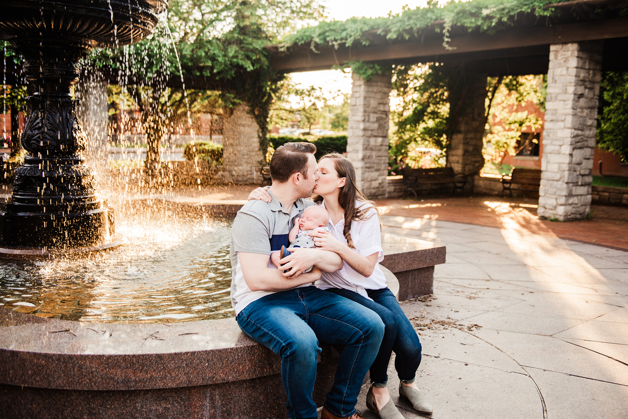Franklin_Square_Park_Syracuse_Engagement_Session_JILL_STUDIO_Rochester_NY_Photographer_DSC_4017.jpg