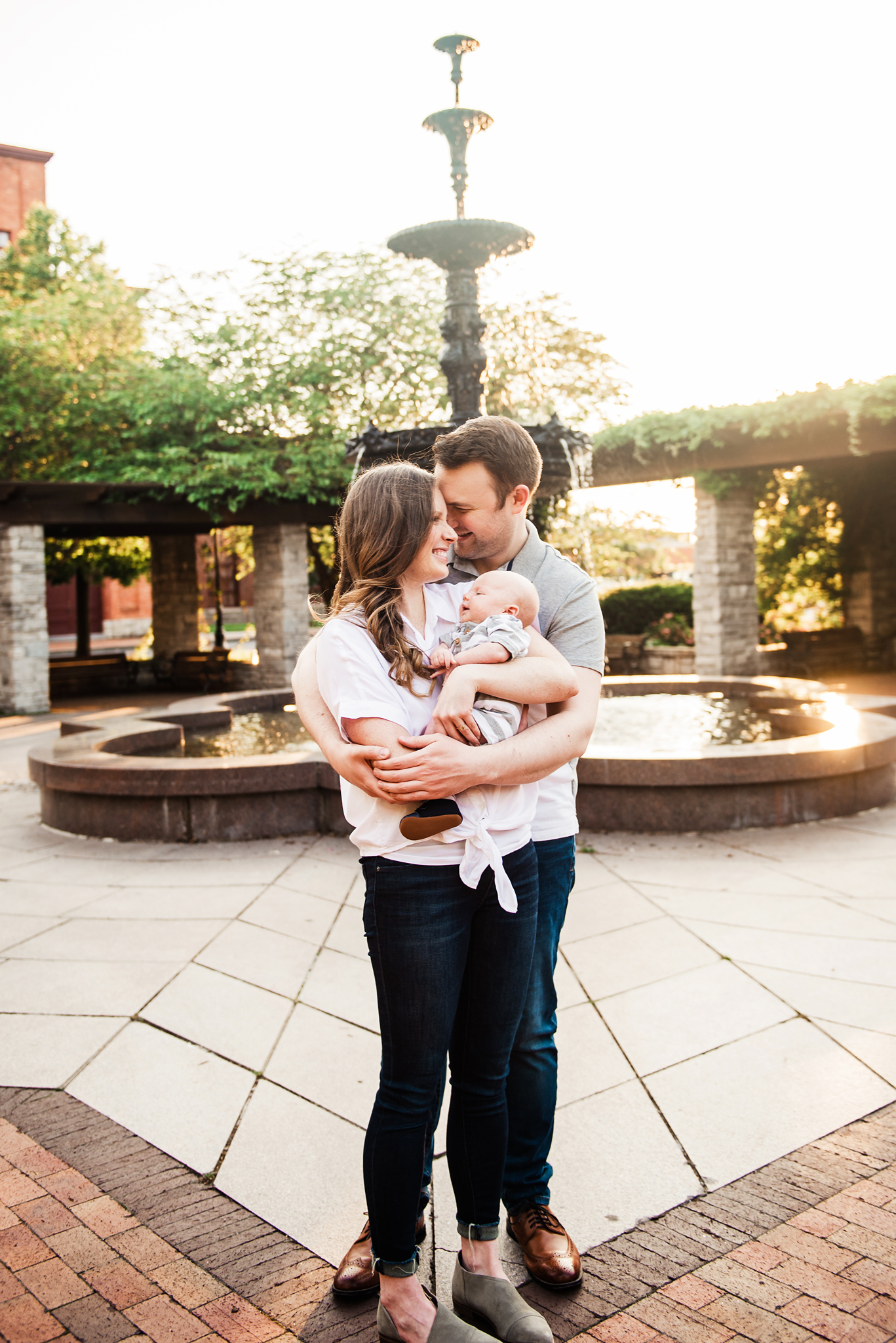 Franklin_Square_Park_Syracuse_Engagement_Session_JILL_STUDIO_Rochester_NY_Photographer_DSC_4111.jpg
