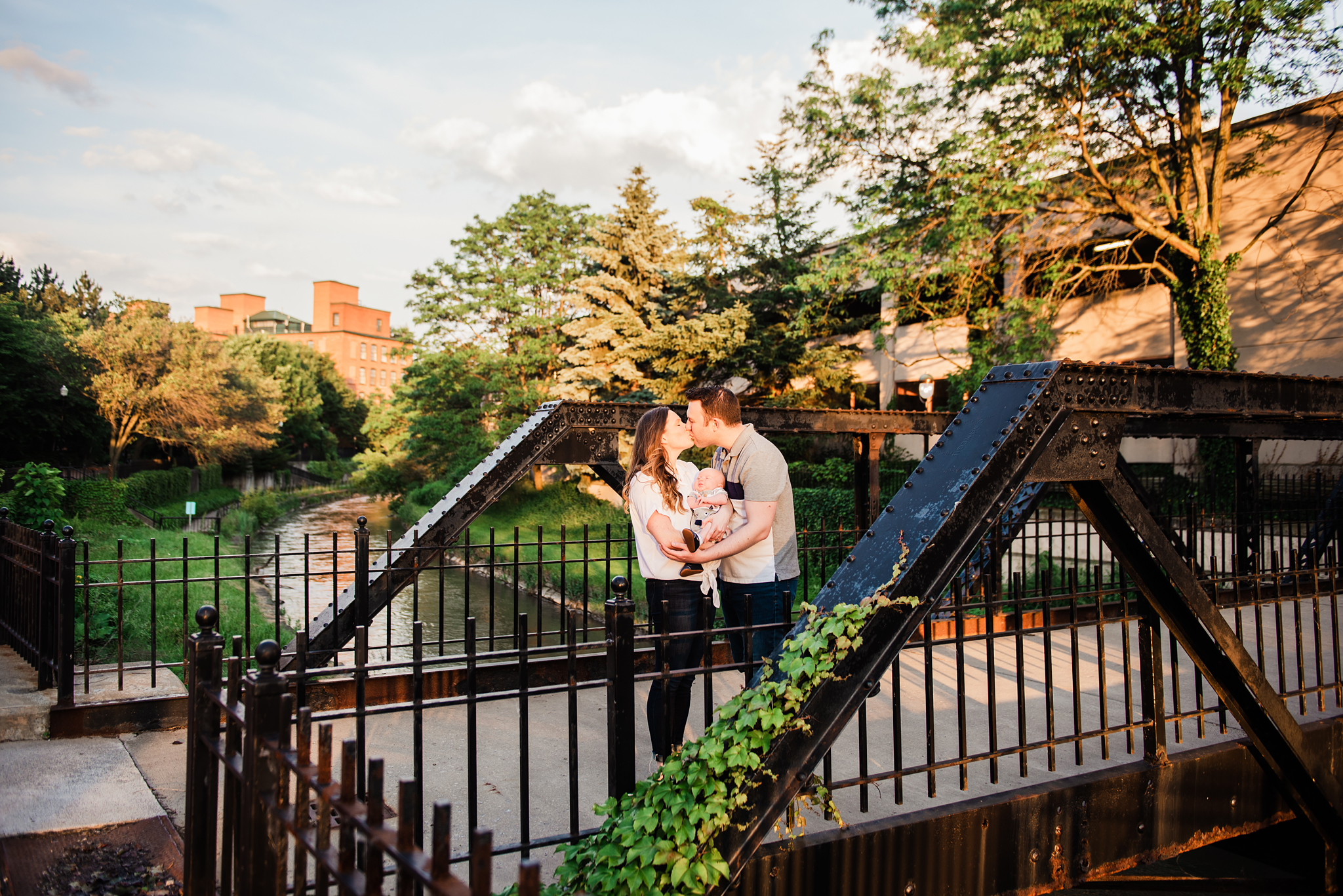Franklin_Square_Park_Syracuse_Engagement_Session_JILL_STUDIO_Rochester_NY_Photographer_DSC_4168.jpg