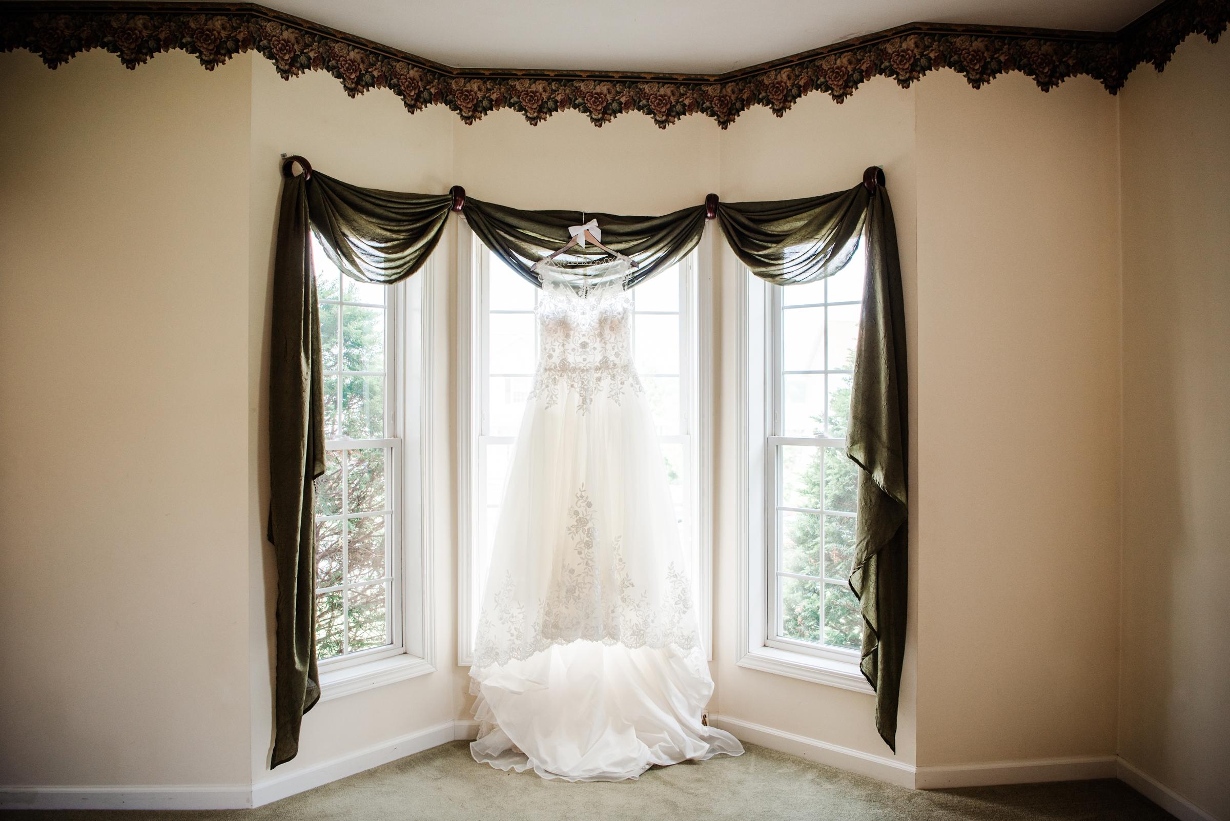 Historic_Old_St_Johns_Church_Valentinos_Banquet_Hall_Central_NY_Wedding_JILL_STUDIO_Rochester_NY_Photographer_DSC_5385.jpg