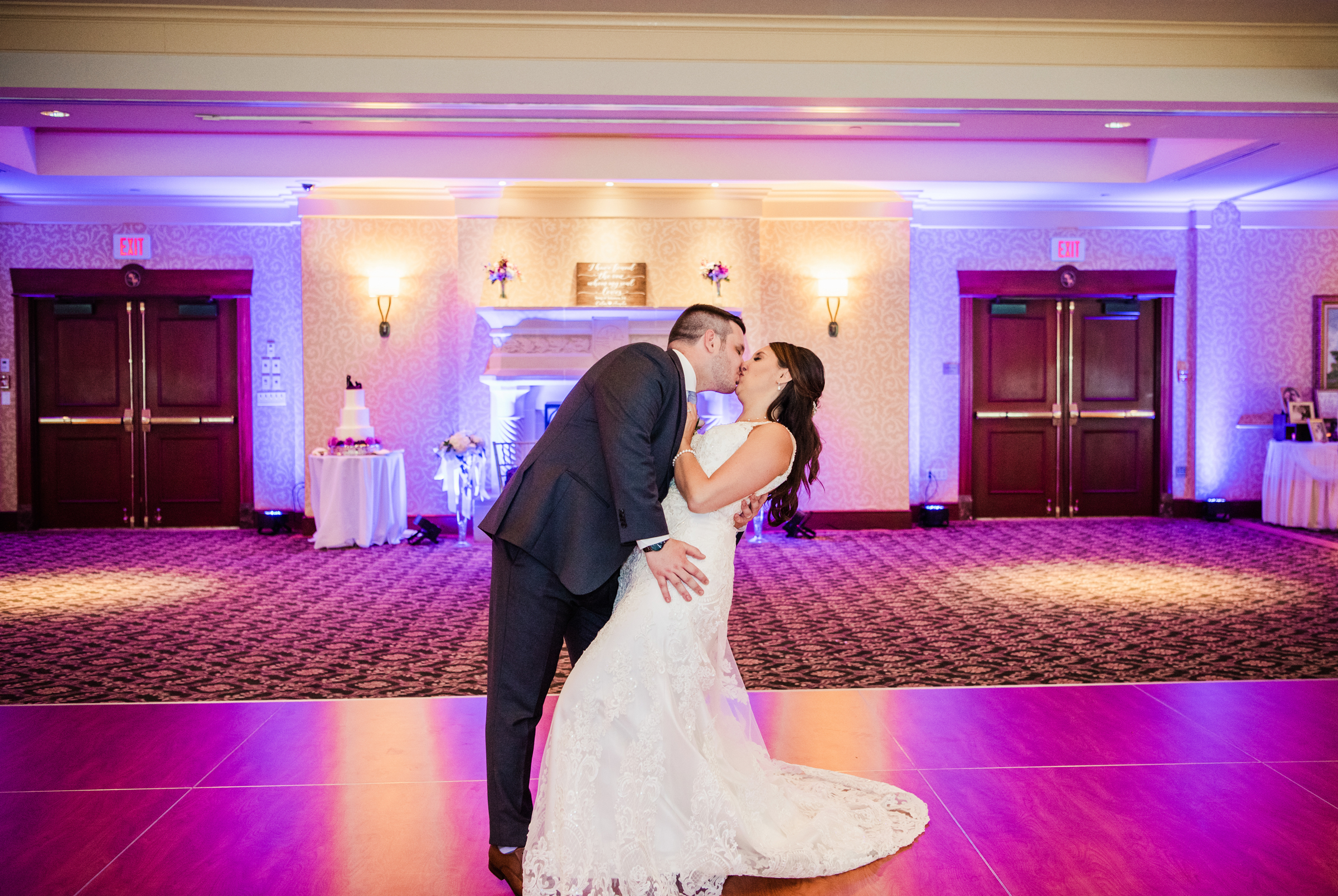 Turning_Stone_Casino_Resort_Central_NY_Wedding_JILL_STUDIO_Rochester_NY_Photographer_DSC_1680.jpg
