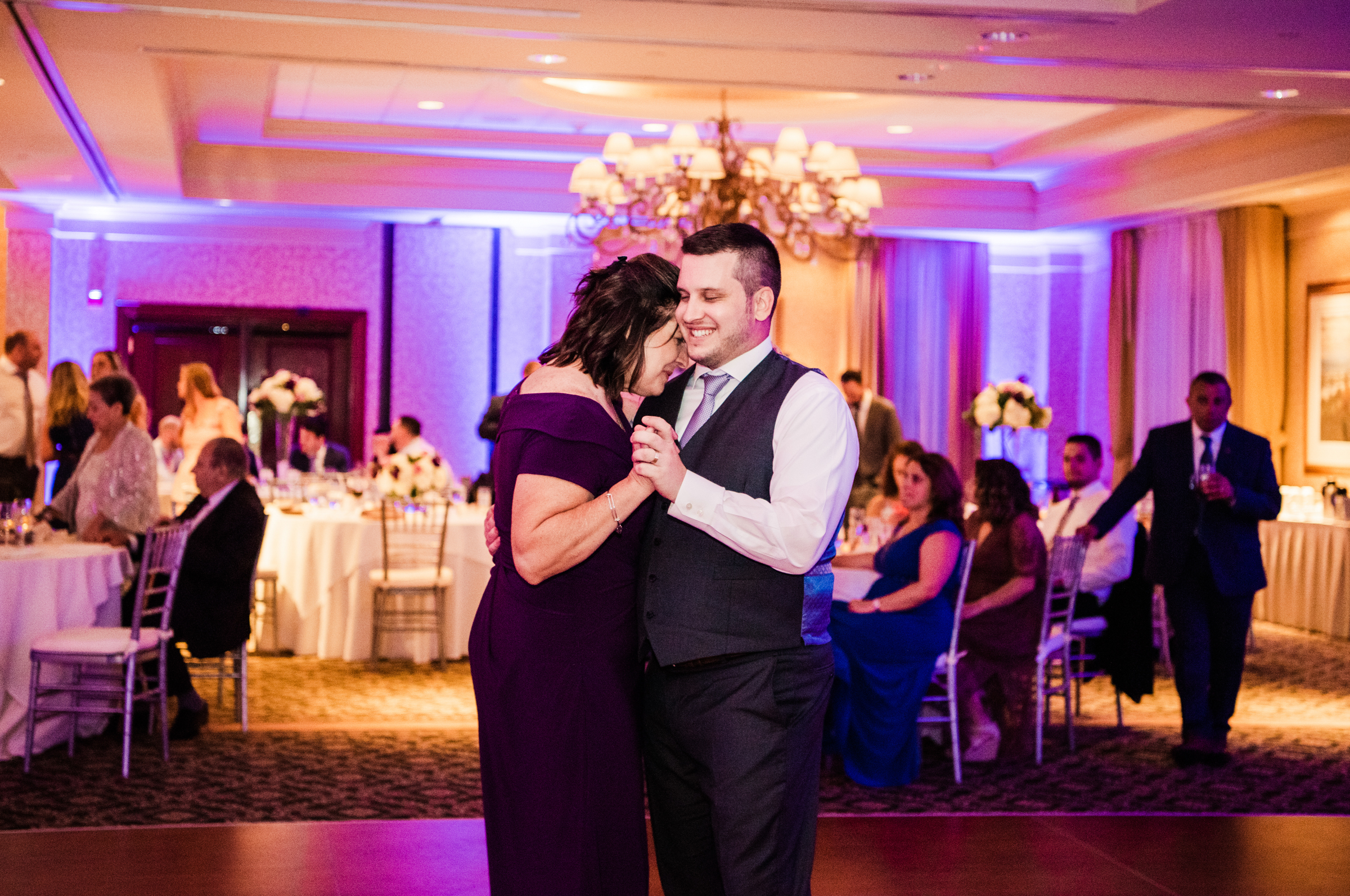 Turning_Stone_Casino_Resort_Central_NY_Wedding_JILL_STUDIO_Rochester_NY_Photographer_DSC_2082.jpg
