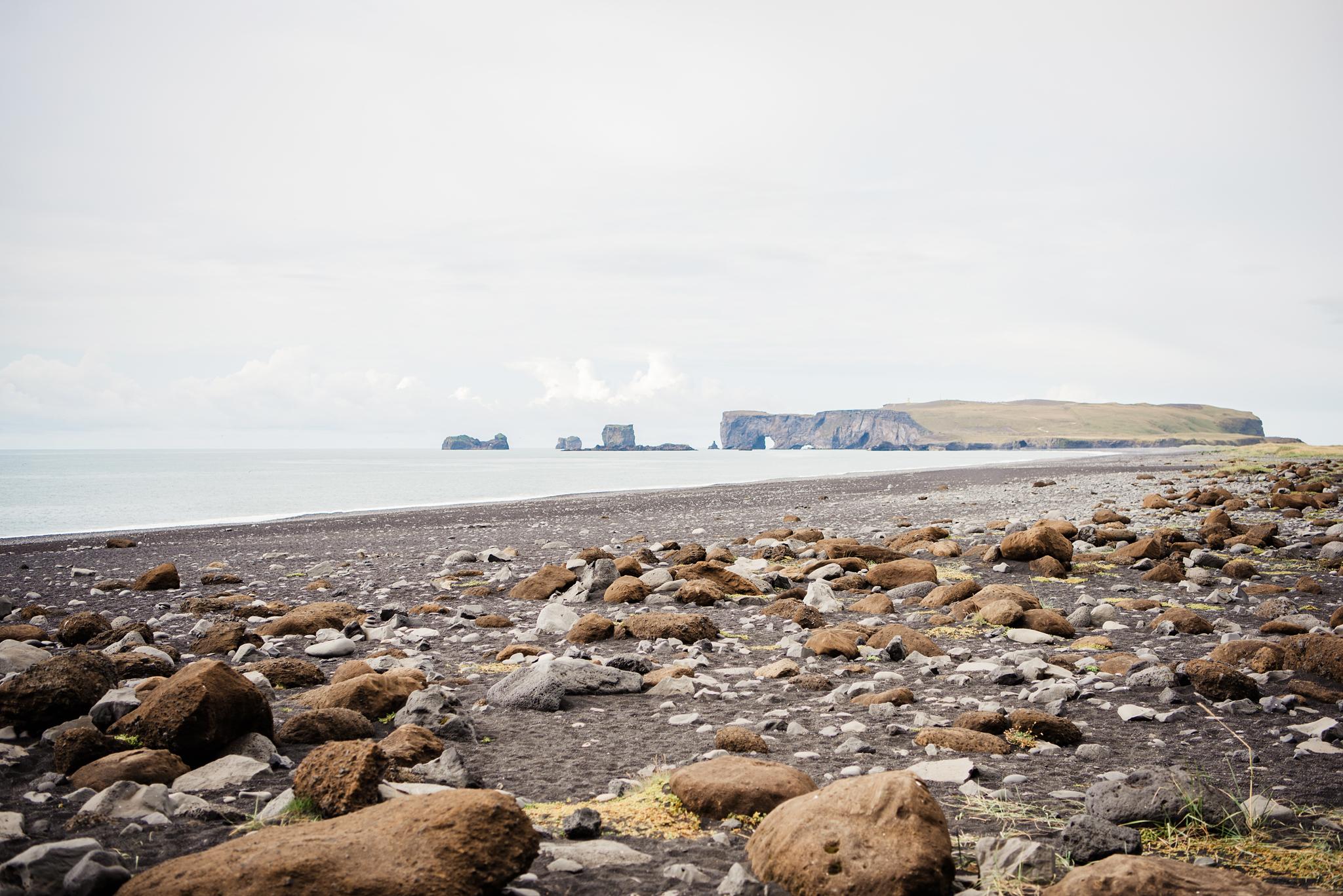 Iceland_Reynisfjara_Black_Sand_Beach_Couples_Session_JILL_STUDIO_Rochester_NY_Photographer_DSC_9674.jpg