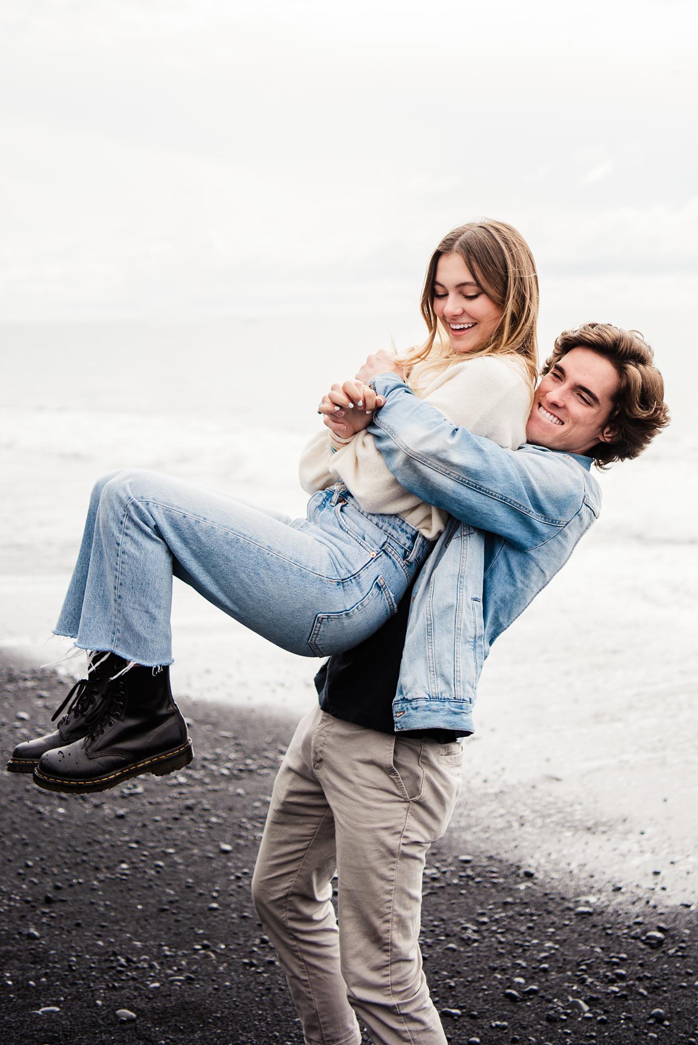Iceland_Reynisfjara_Black_Sand_Beach_Couples_Session_JILL_STUDIO_Rochester_NY_Photographer_DSC_9739.jpg