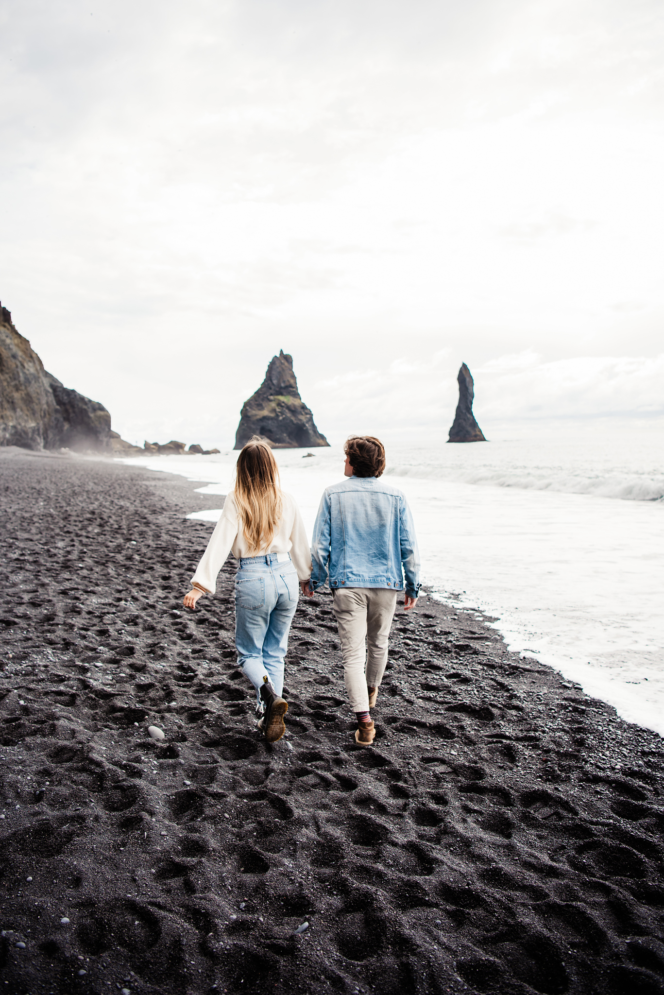 Iceland_Reynisfjara_Black_Sand_Beach_Couples_Session_JILL_STUDIO_Rochester_NY_Photographer_DSC_9775.jpg