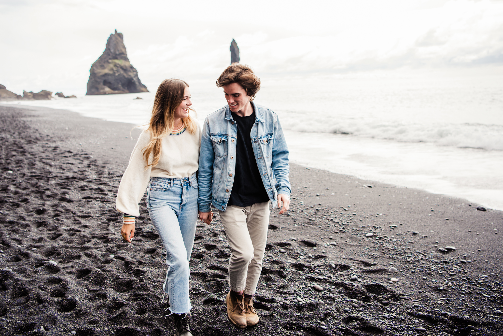 Iceland_Reynisfjara_Black_Sand_Beach_Couples_Session_JILL_STUDIO_Rochester_NY_Photographer_DSC_9793.jpg