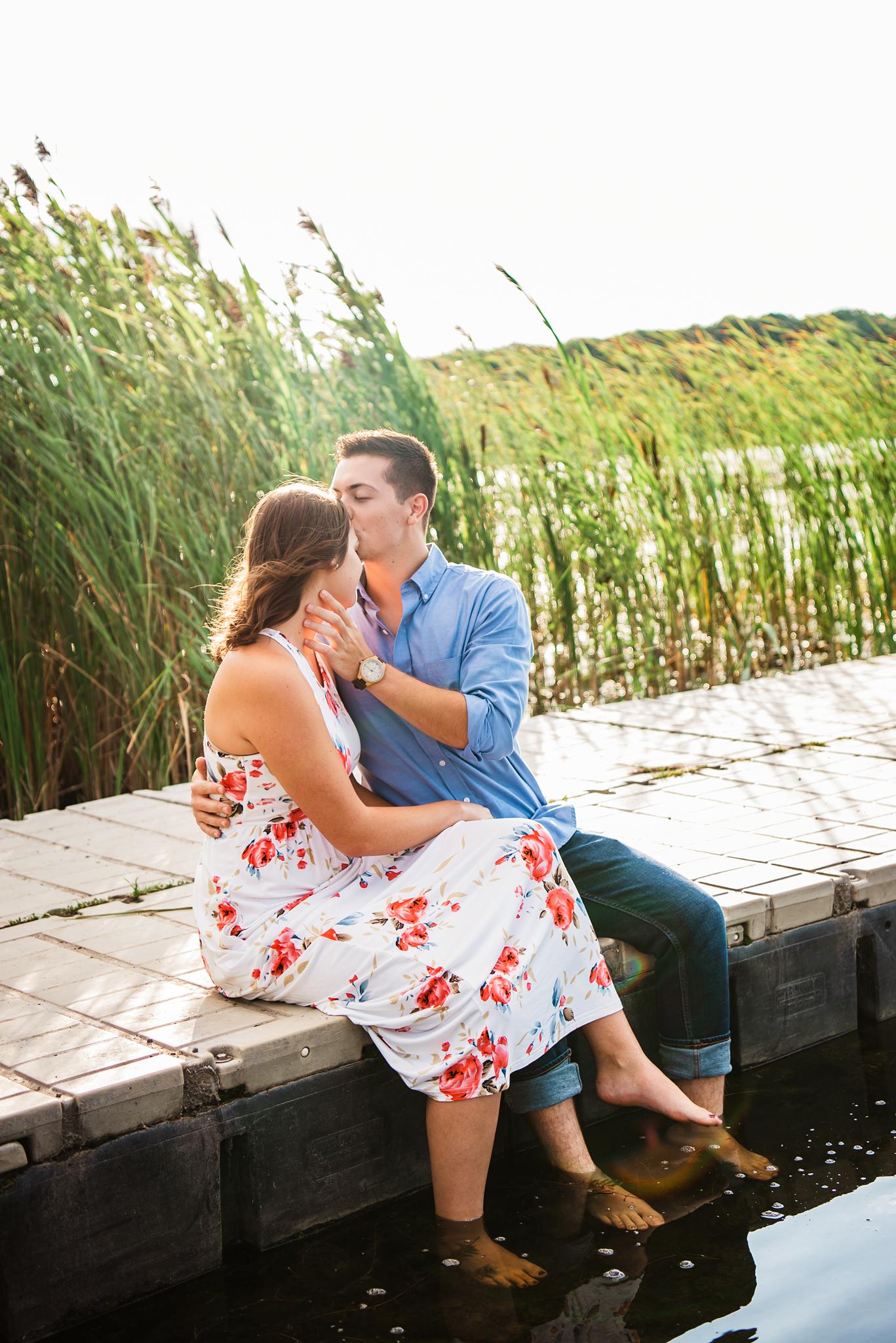 Mendon_Ponds_Park_Sunflower_Farm_Rochester_Engagement_Session_JILL_STUDIO_Rochester_NY_Photographer_DSC_0708.jpg