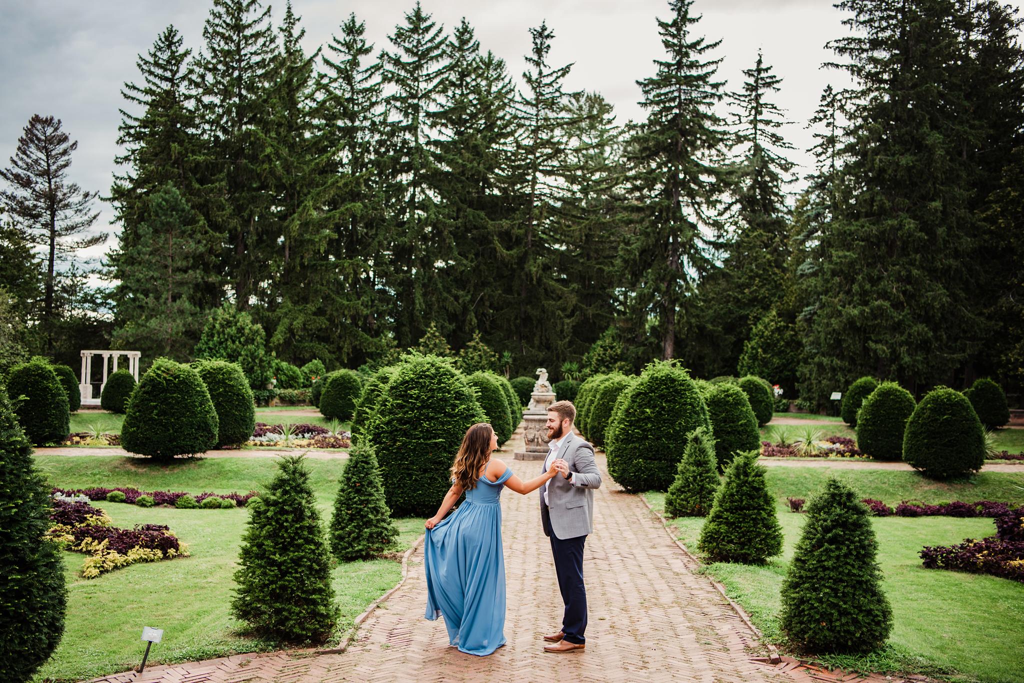Sonnenberg_Gardens_Finger_Lakes_Engagement_Session_JILL_STUDIO_Rochester_NY_Photographer_DSC_1554.jpg