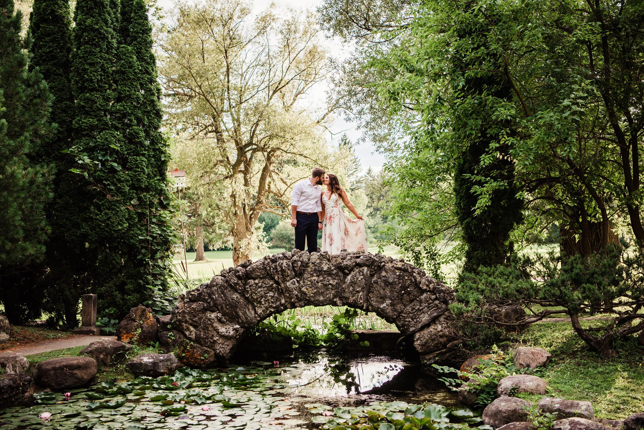 Sonnenberg_Gardens_Finger_Lakes_Engagement_Session_JILL_STUDIO_Rochester_NY_Photographer_DSC_1819.jpg