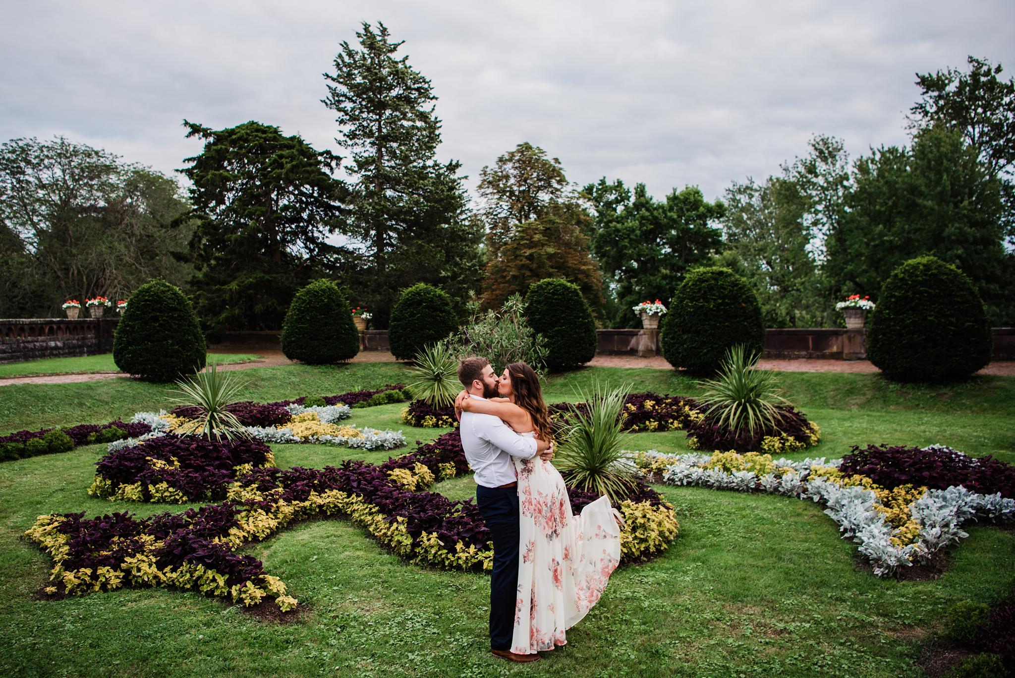 Sonnenberg_Gardens_Finger_Lakes_Engagement_Session_JILL_STUDIO_Rochester_NY_Photographer_DSC_1992.jpg