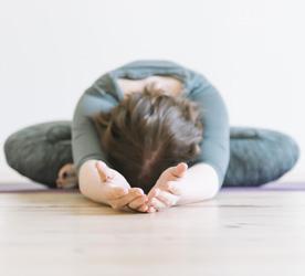 yoga-mod-stress-uddannelse.jpg