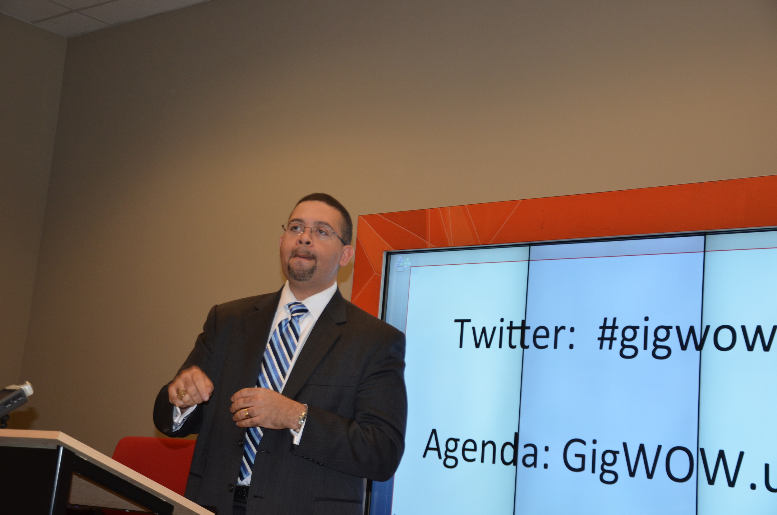 Charlotte CIO Jeff Stovall speaks at GigWOW