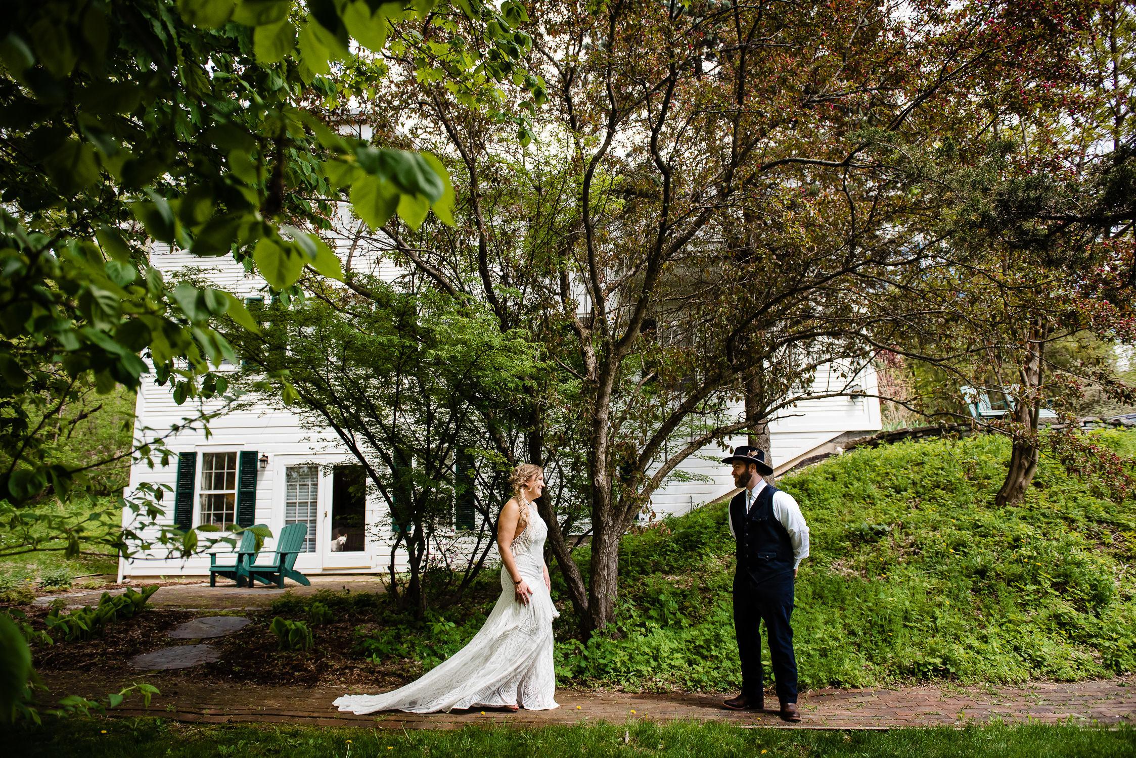 tourterelle-vermont-wedding-photographers-007-2-2247x1500.jpg