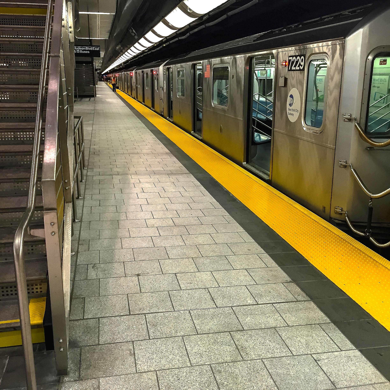 @ - Hudson Yards Subway platformjpg.jpg