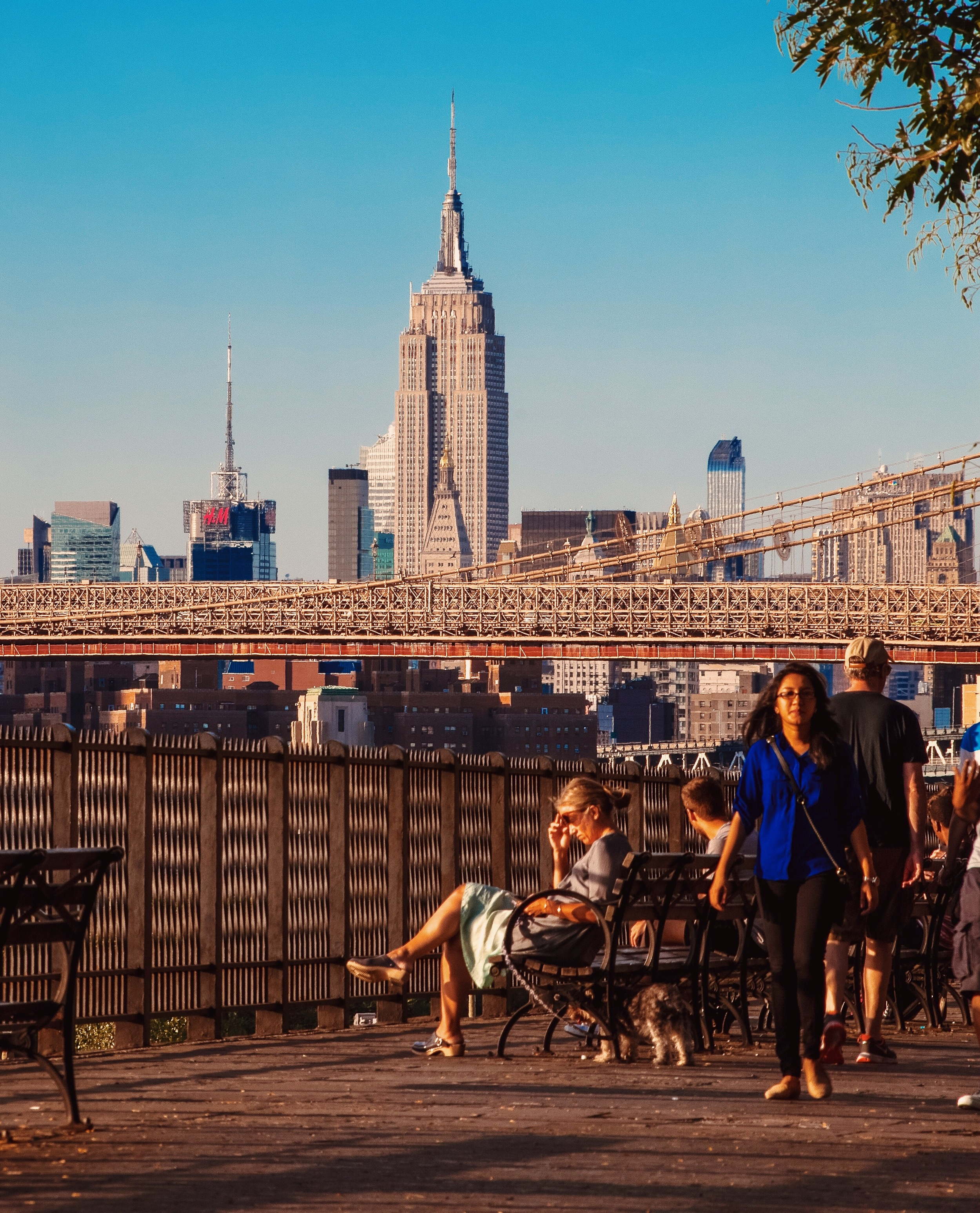 @ Brooklyn Heights Promenade_Empire State Building_bench.JPG