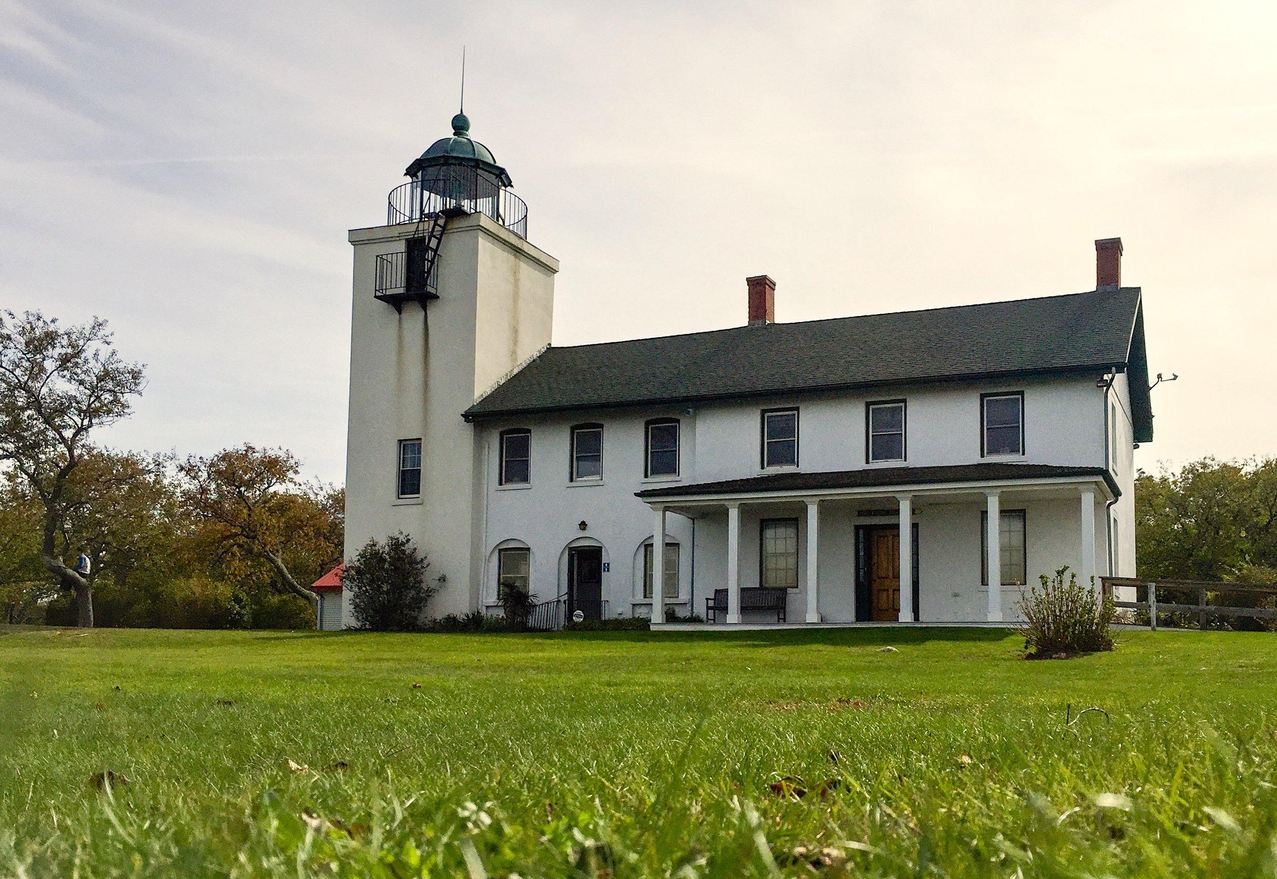 @ Horton Point Lighthouse_Photo © 2016 Joseph Kellard:kellardmedia.com.jpg