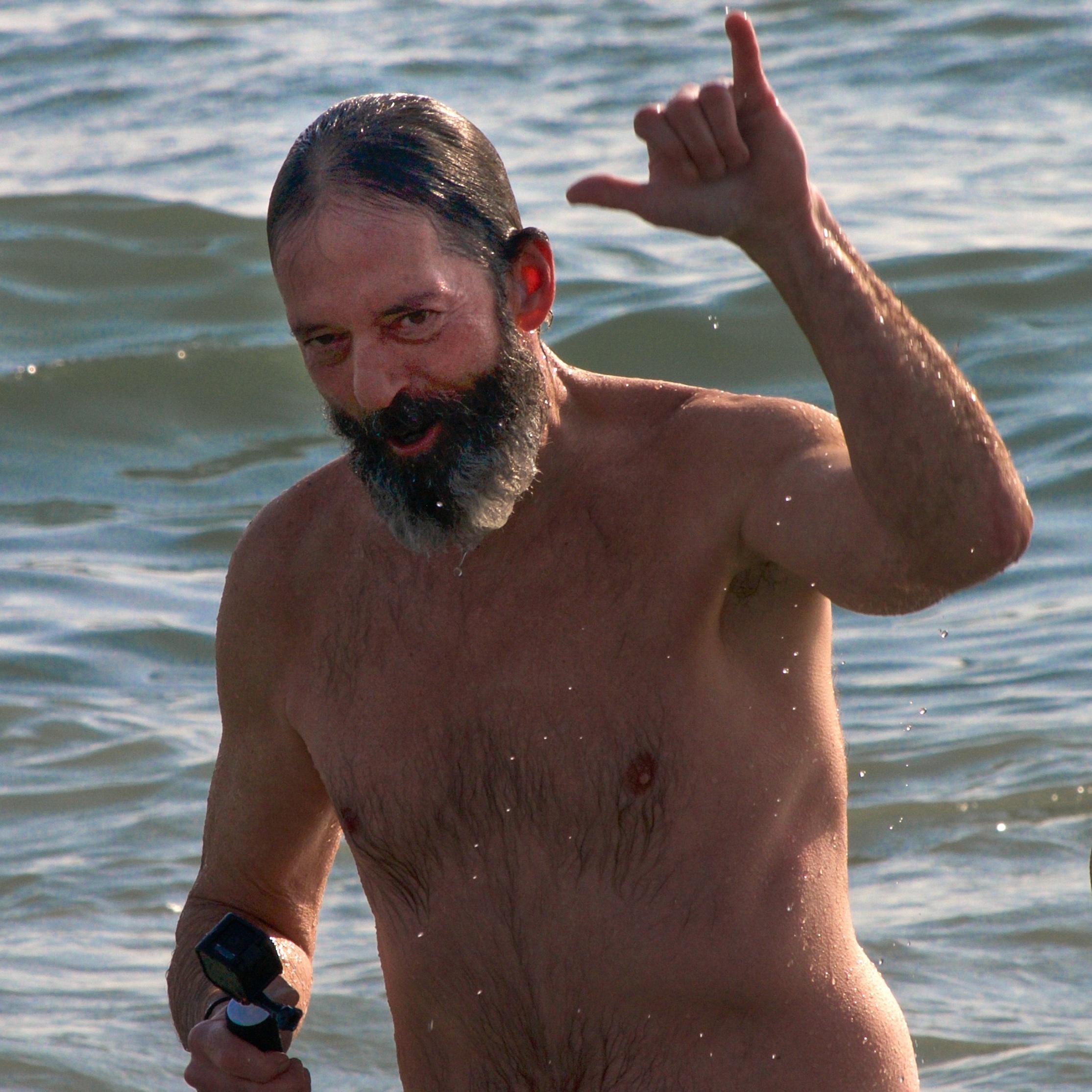 @ Long Beach Polar Bear Splash _older man_2.3.19-.jpg