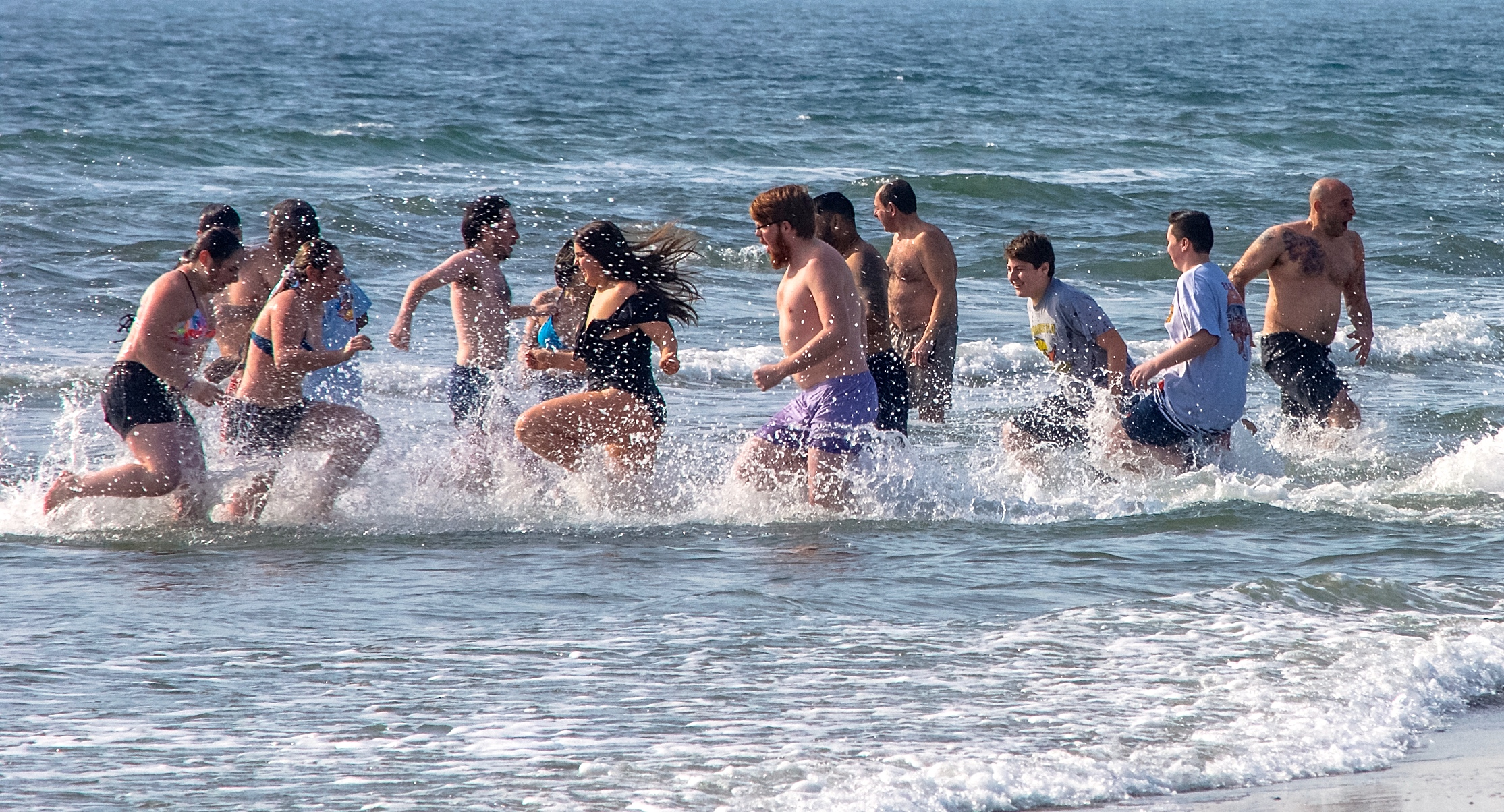 @ Long Beach Polar Bear Splash _group_  running_2.3.19.jpg