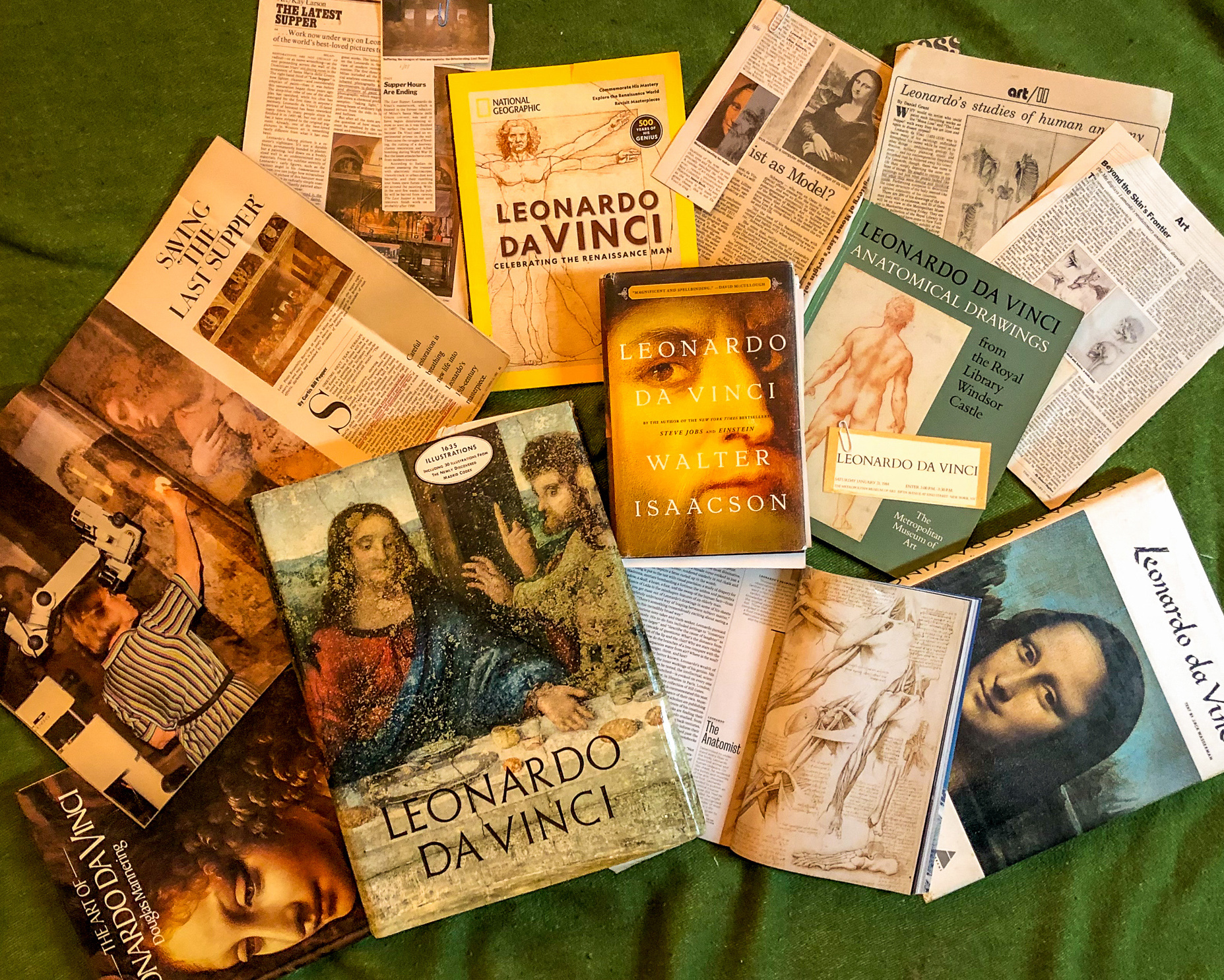A spread of books, articles and magazines on Leonardo da Vinci that I've read since my early fascination with the Renaissance man.